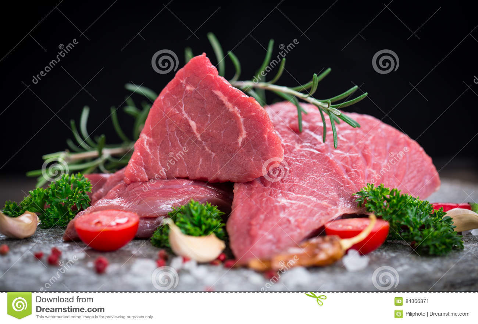 Carne crua da carne com especiarias
