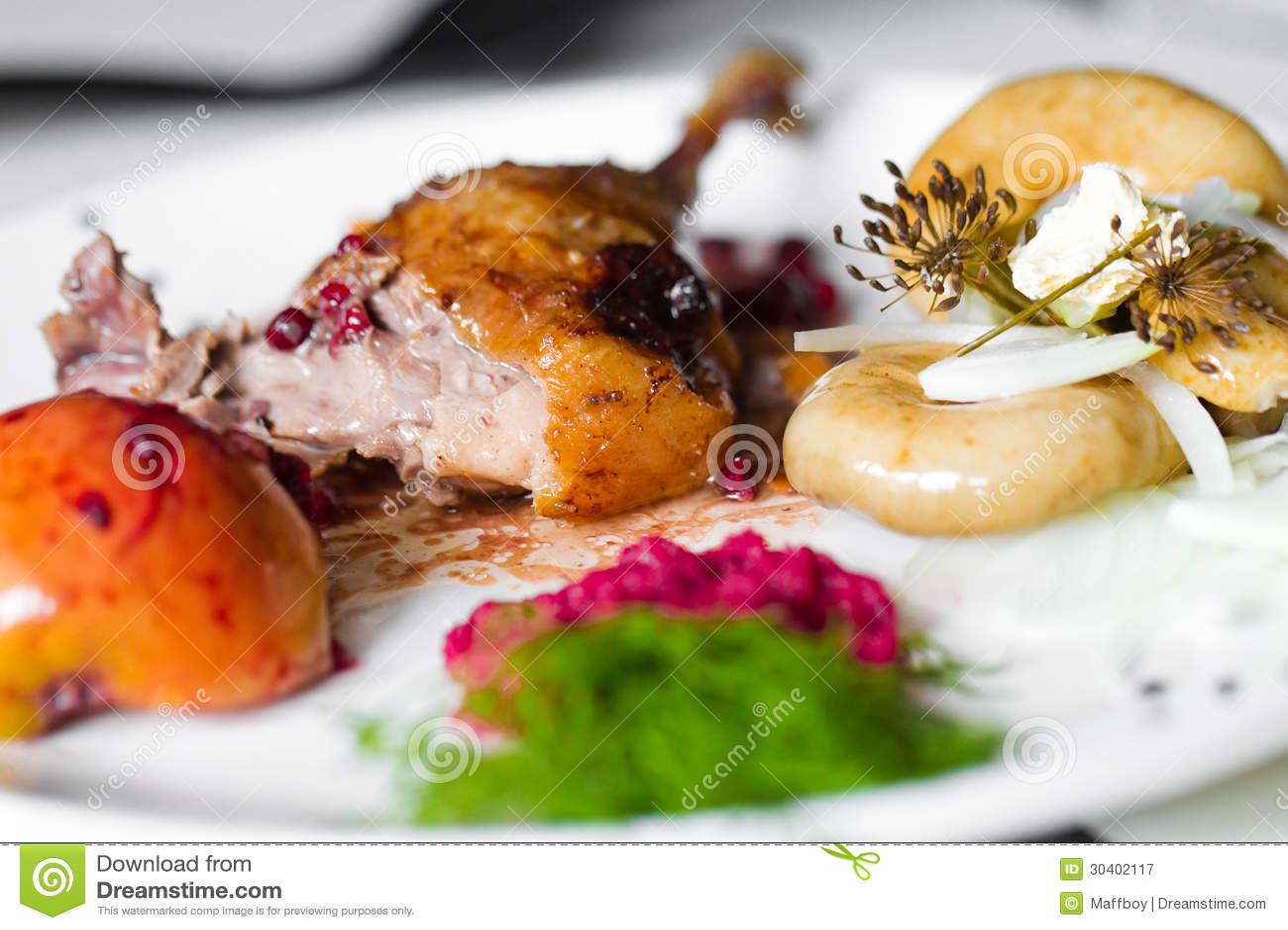 Carne dell anatra con la salsa della ciliegia