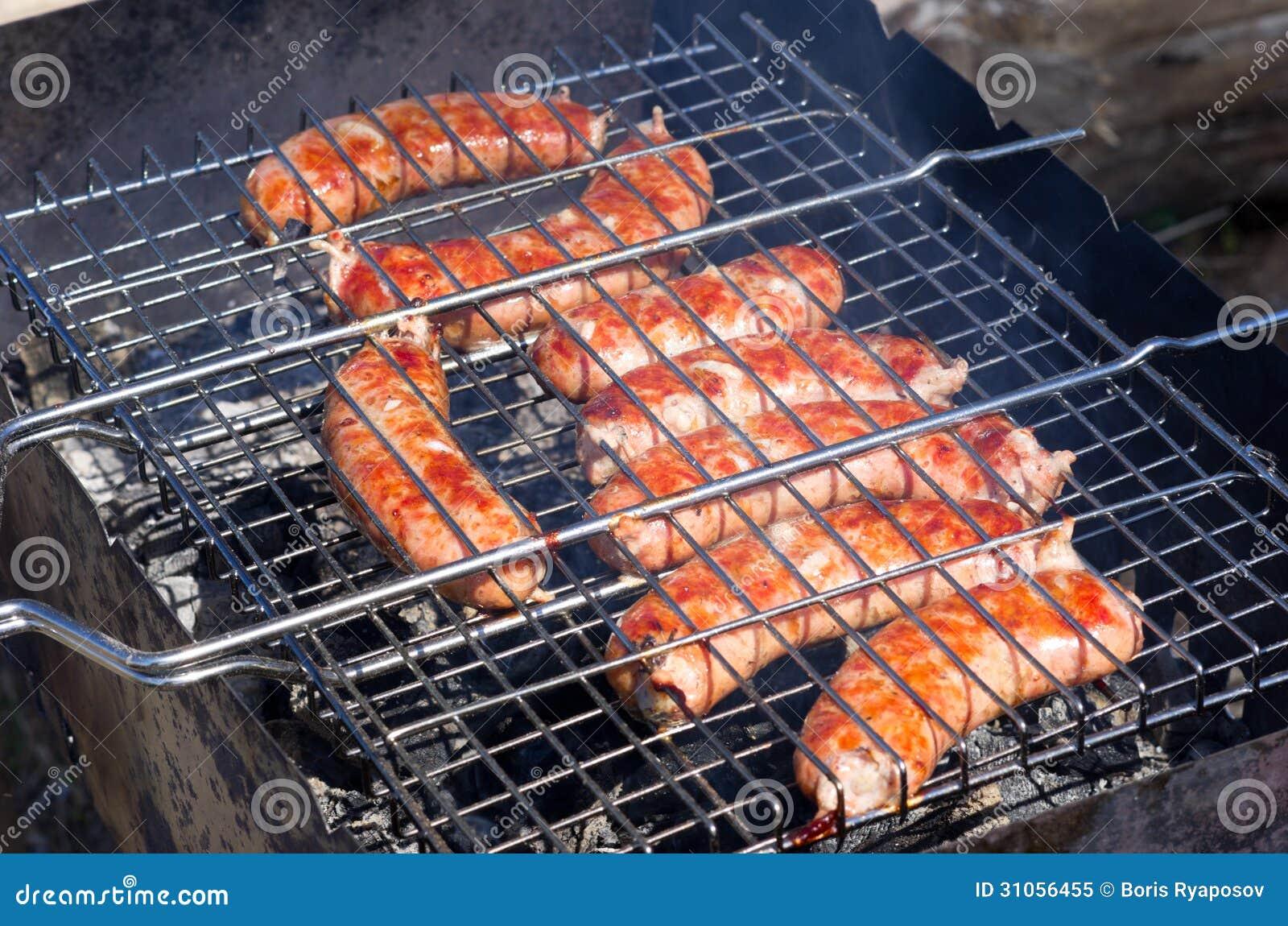 Immagini di riserva di carne sulla griglia per un barbecue for Griglia per barbecue bricoman
