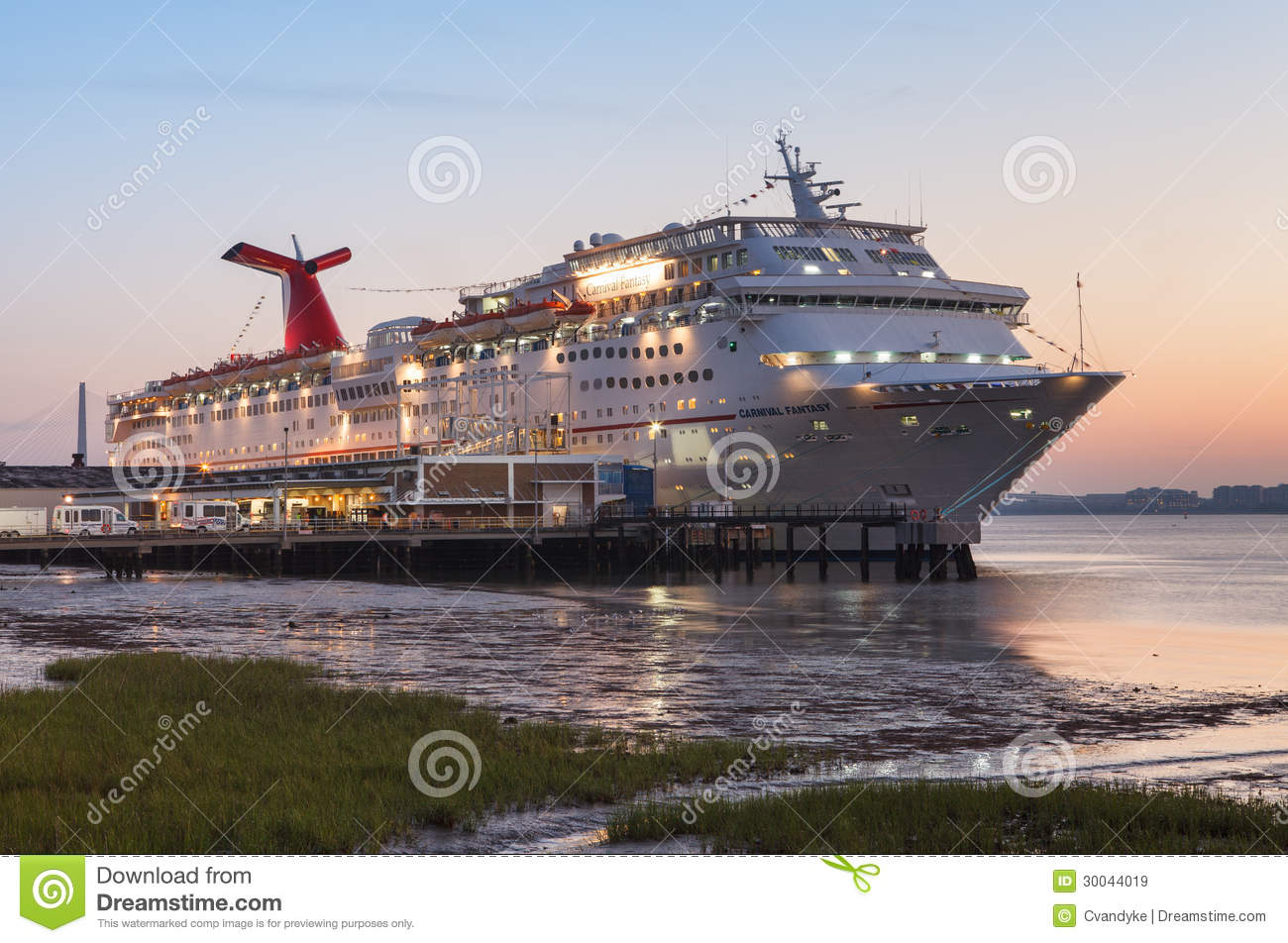 Cruise Ship Charleston SC Harbor Editorial Stock Image Image - Cruise ships out of charleston south carolina