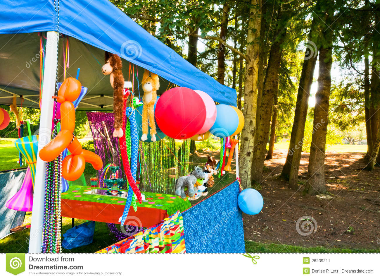 Carnival games and prizes stock image image of for Amusement park decoration games