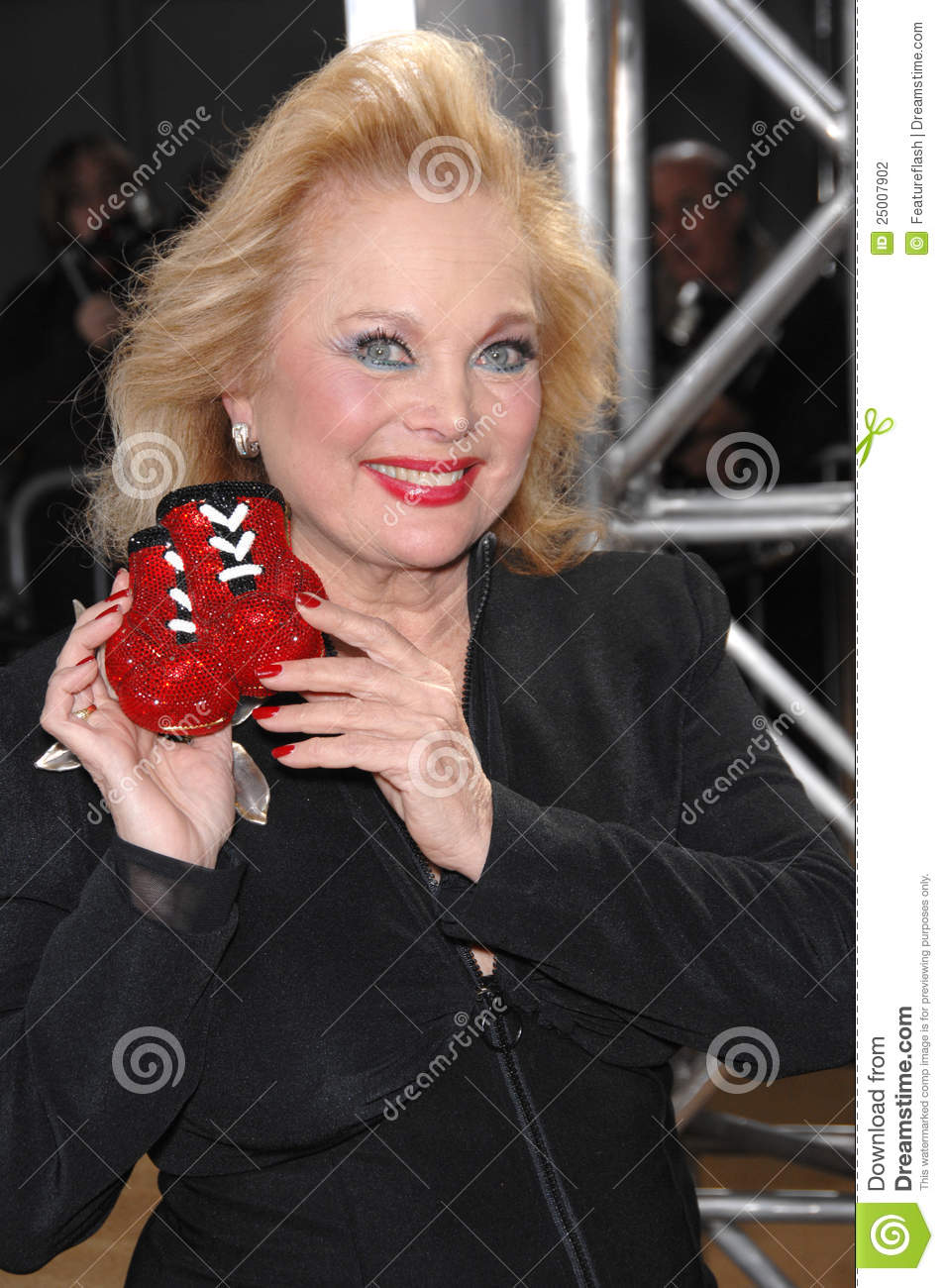 Watch Carol Connors video