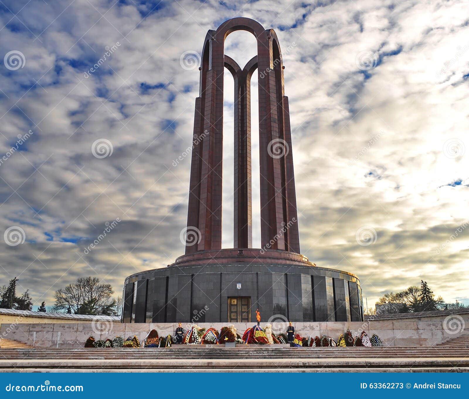 carol-park-mausoleum-monument-heroes-fre