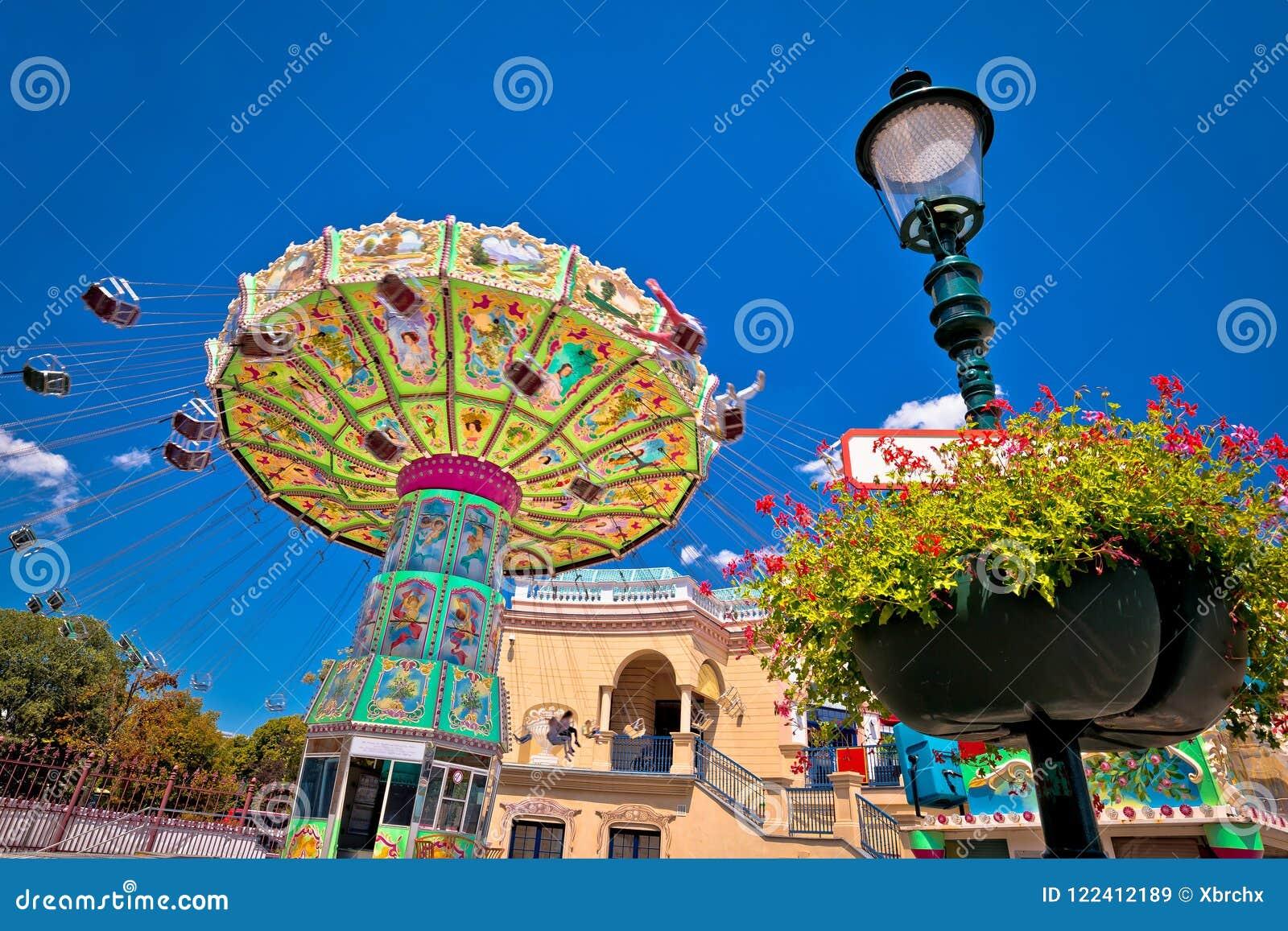 Carousel парка потехи Prater в взгляде вены