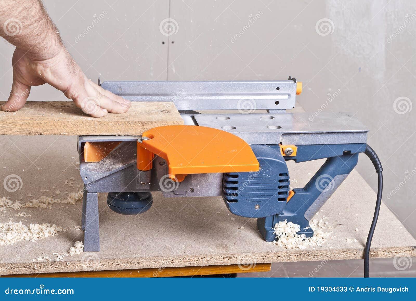 trim carpenter