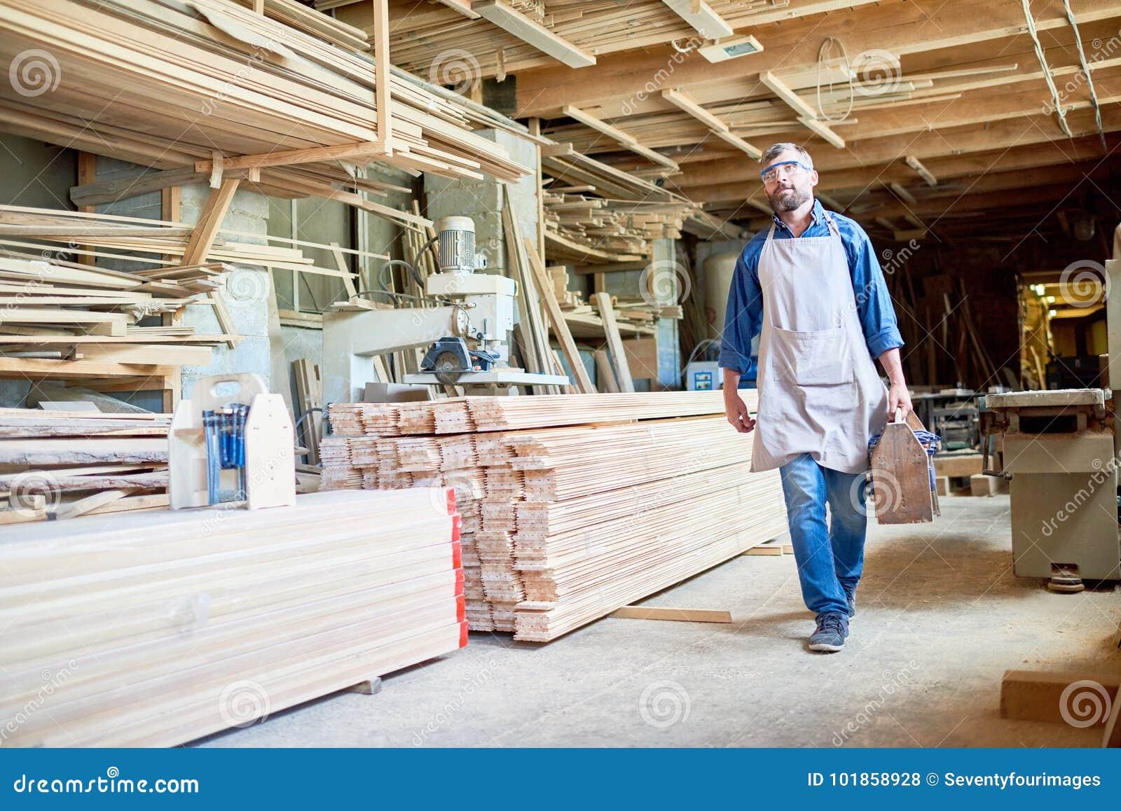 Carpenter in Modern Joinery