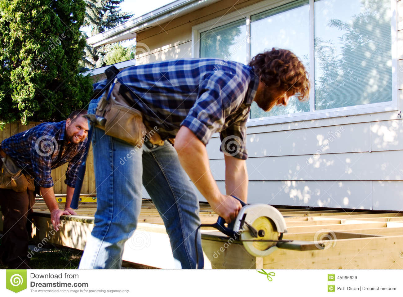 Carpenter sawing board for deck