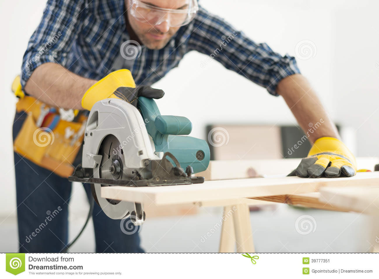 carpenter at work stock photo image 39777351 auto mechanics clip art free auto mechanics clip art