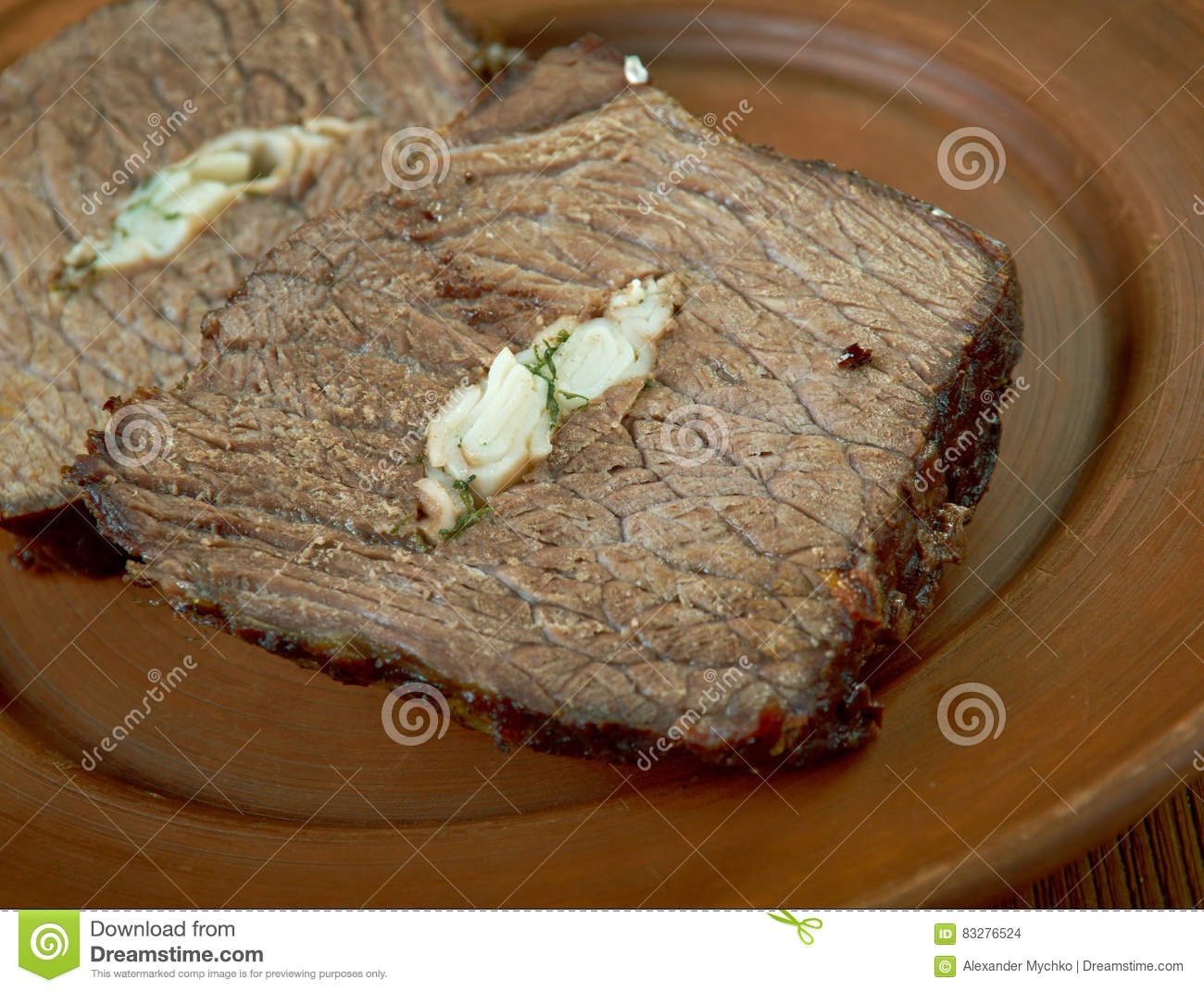 Carpet Bag Steak Australian or American derivation, popular in Australia and New Zealand, classic that once again proves that oysters and beef are a match ...