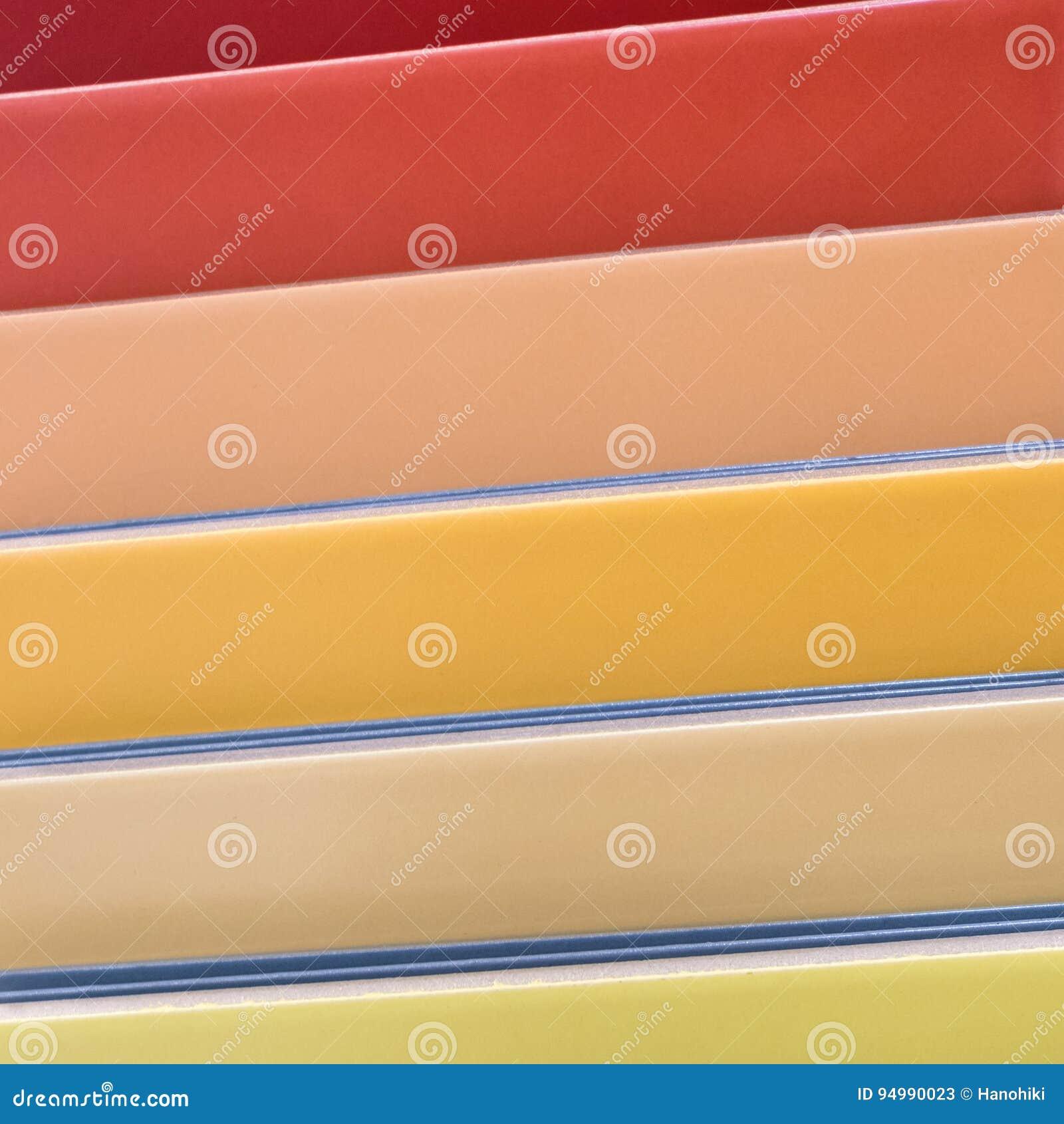 Carreaux de céramique colorés - variation de différentes tuiles colorées
