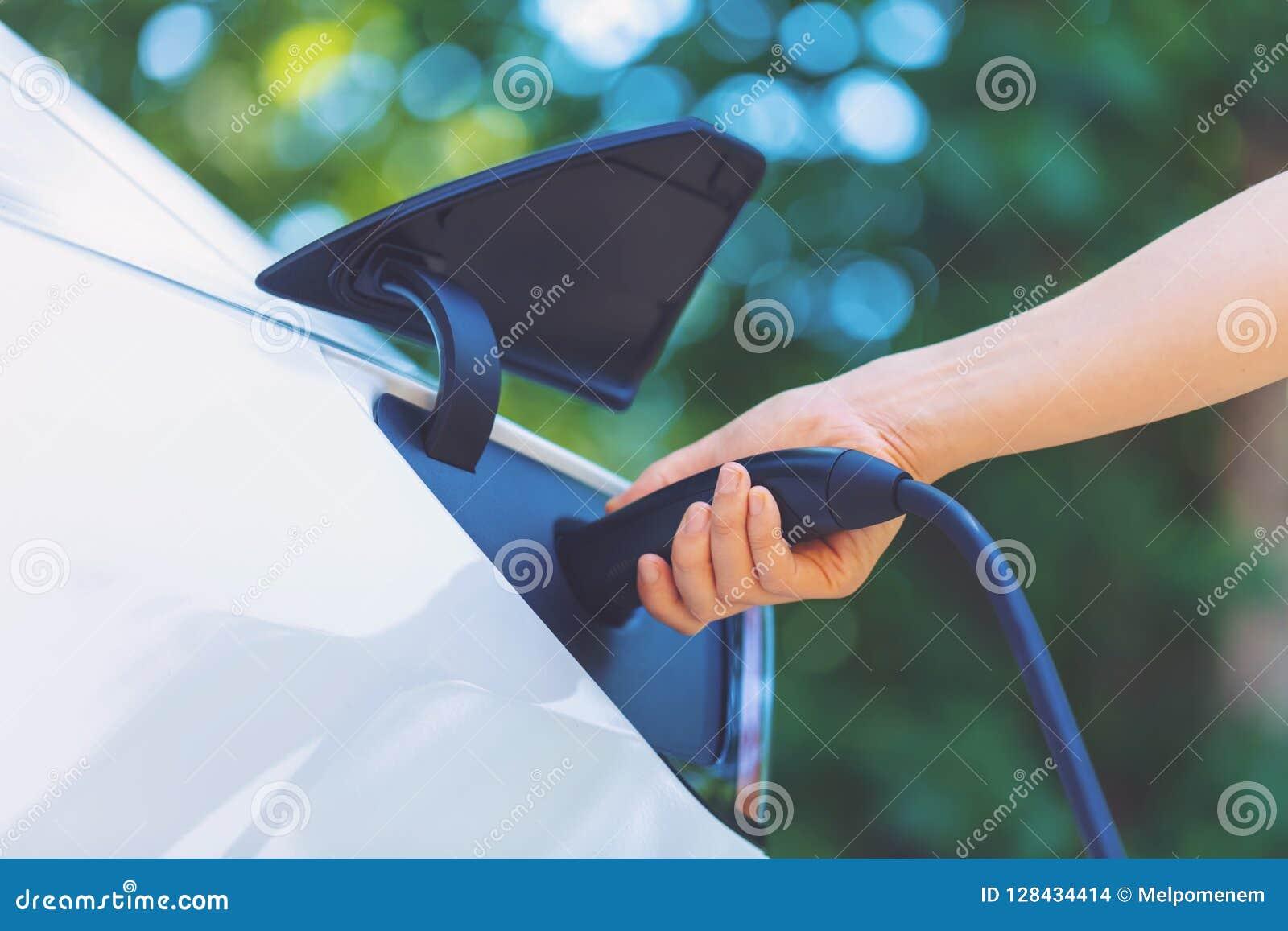 Carregando um veículo elétrico