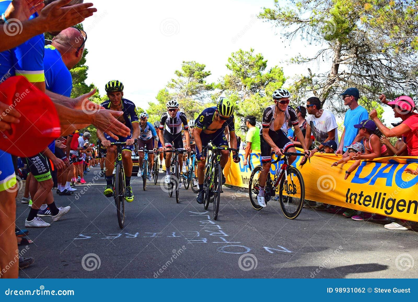 Carrera profesional del ciclo de Vuelta España del La de los corredores de ciclo