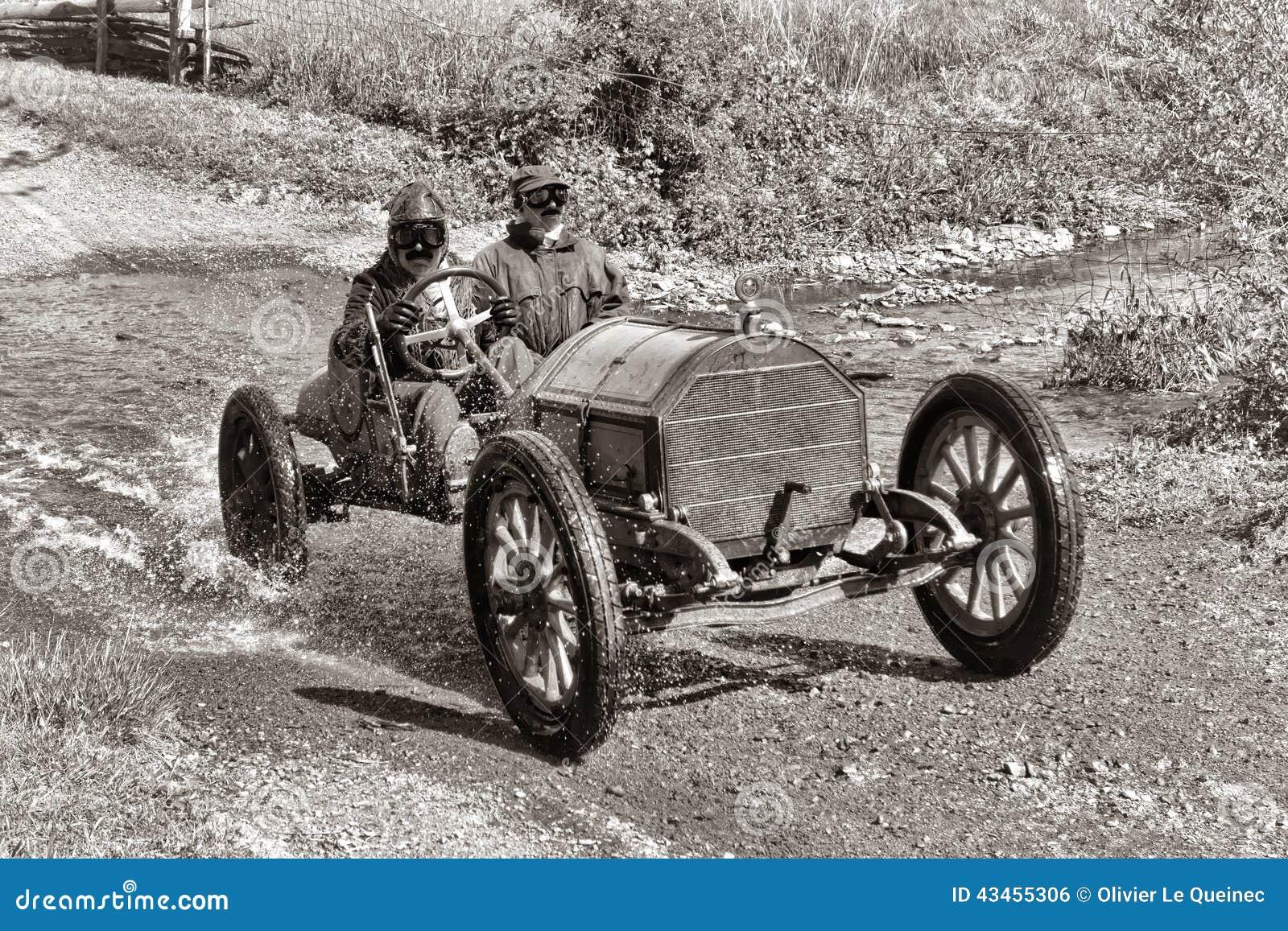 Carreras de autos vintage en Pittsburgh