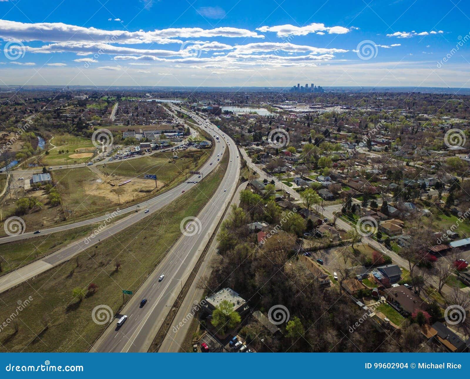 Carretera I70 y Denver céntrica, Arvada, Colorado