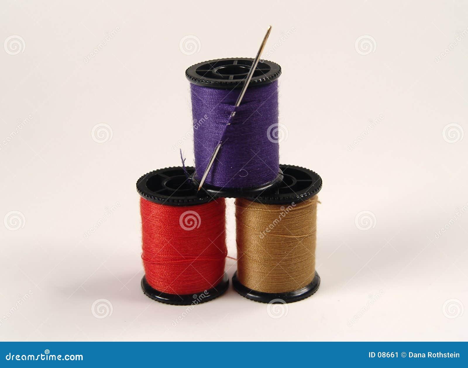 Carretes de costura coloreados