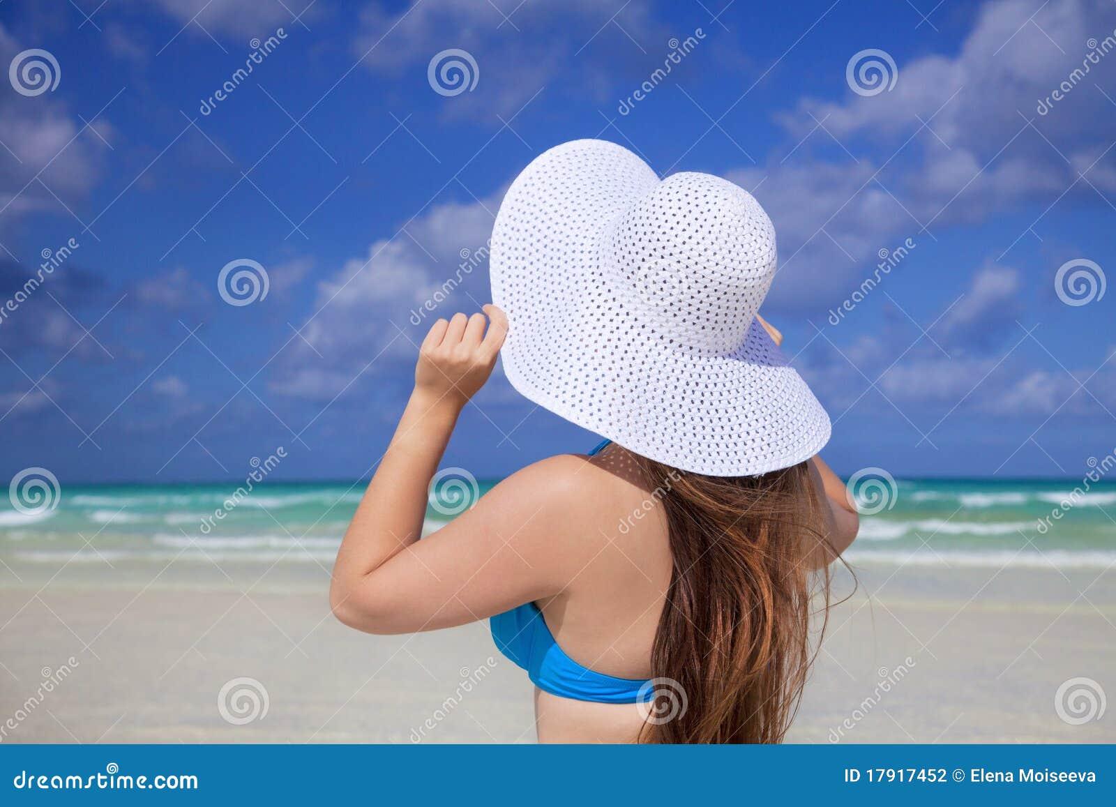 Carribean white för sun för sky för flickahatthav