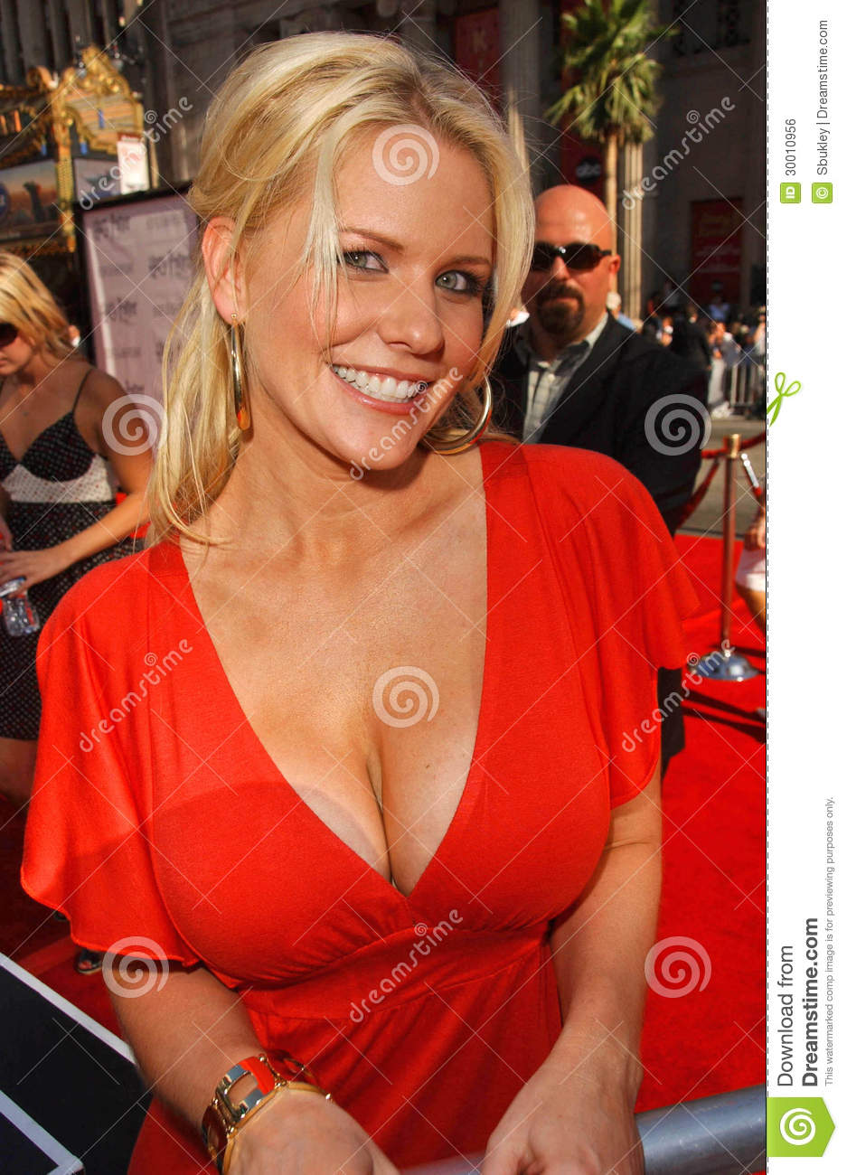 carrie keagan breasts
