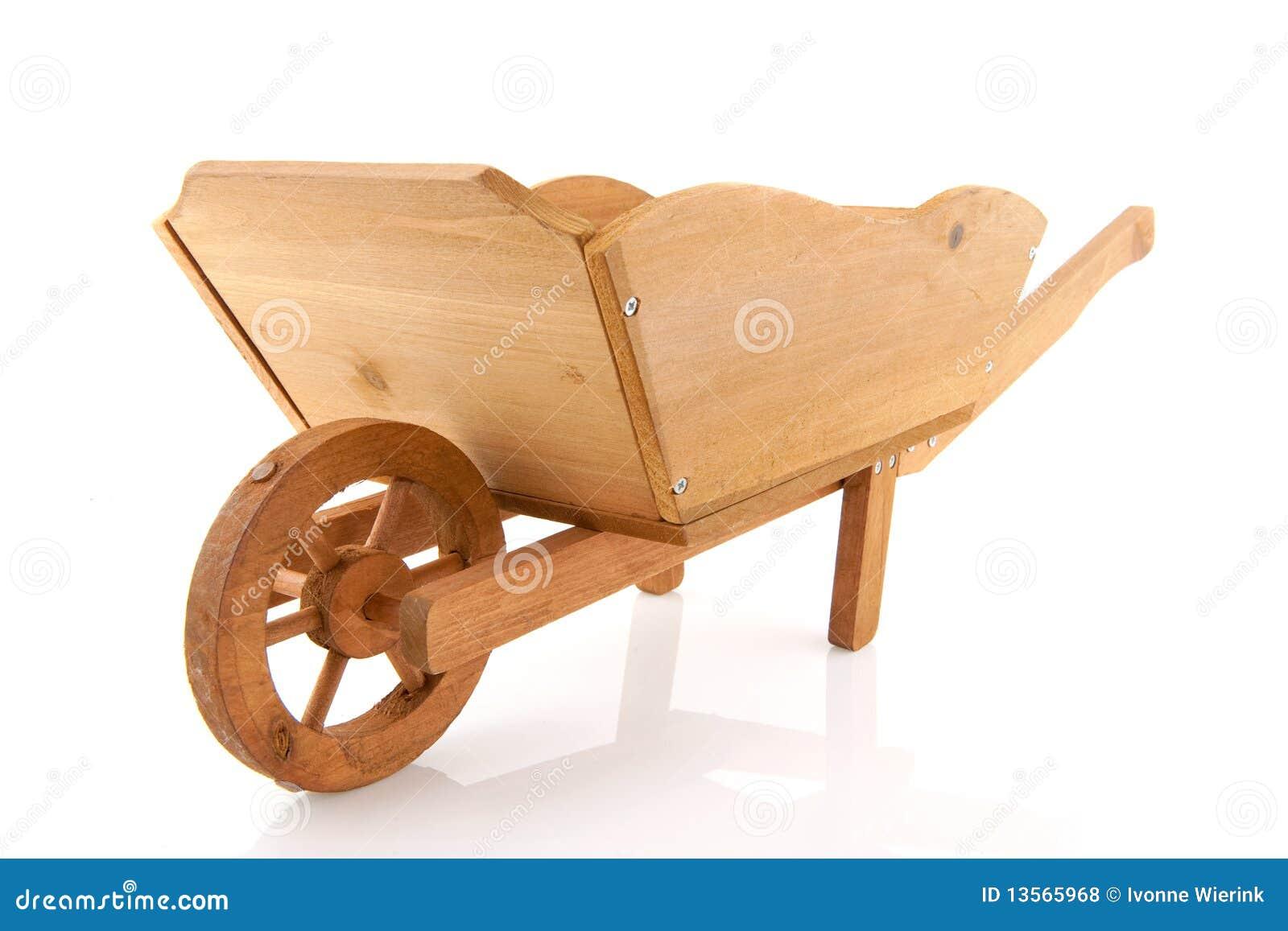 Carriola di legno fotografie stock libere da diritti immagine 13565968 - Carriola in legno da giardino ...