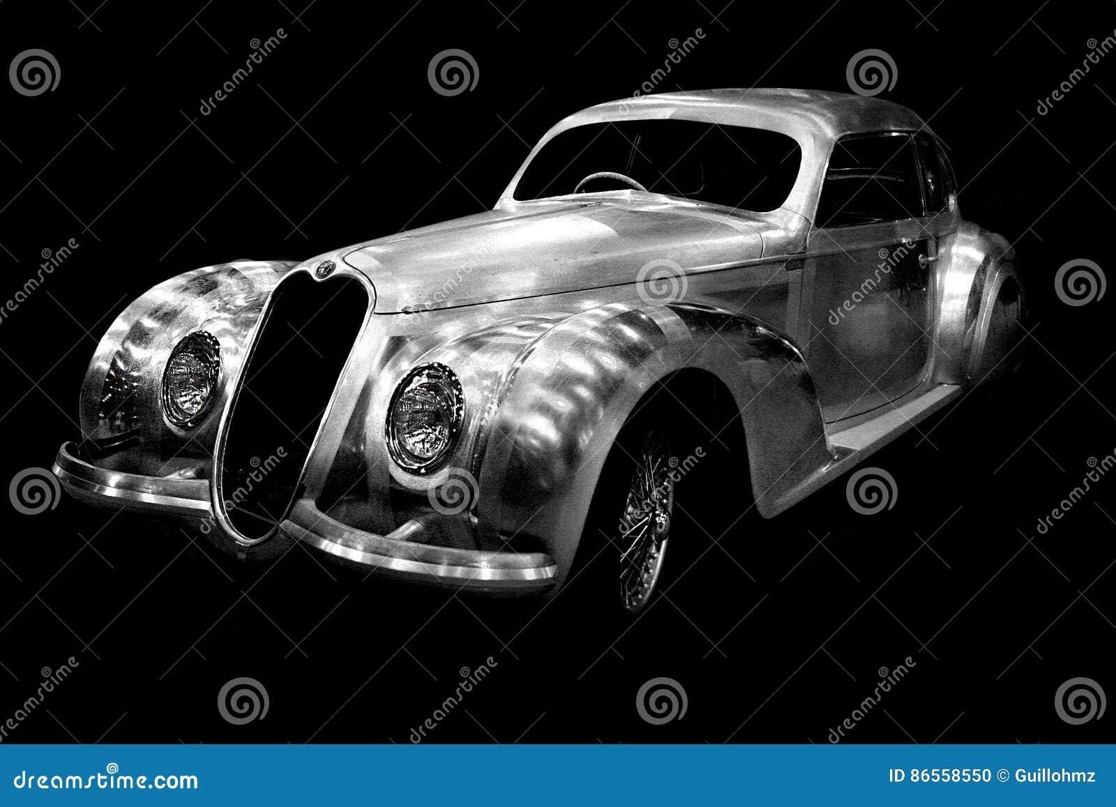Carro chapeado cromo de Romeo Vintage do alfa