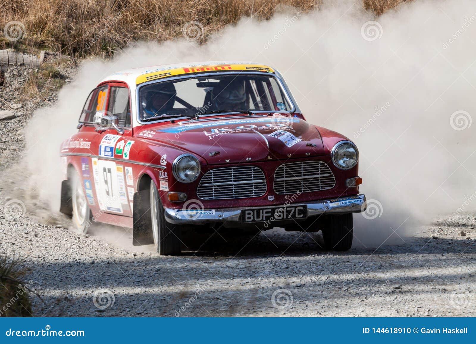 Carro clássico da reunião de Volvo amazon