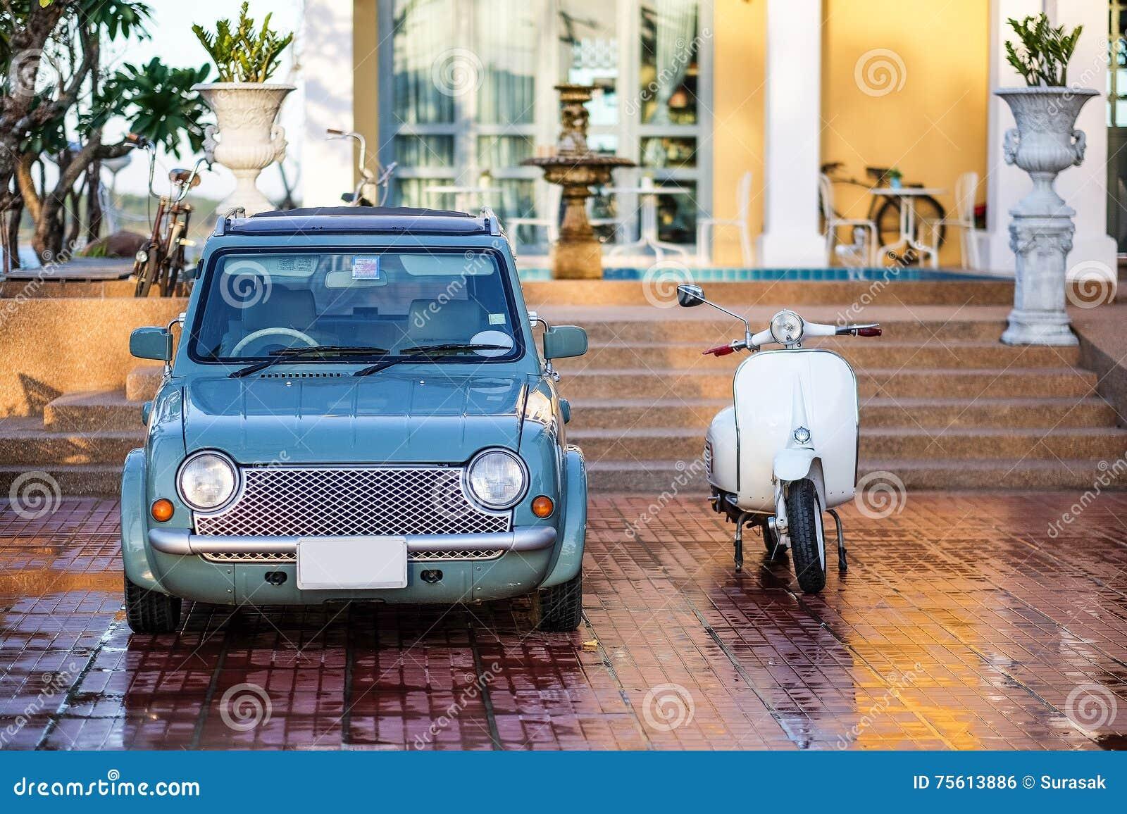 Carro clássico velho