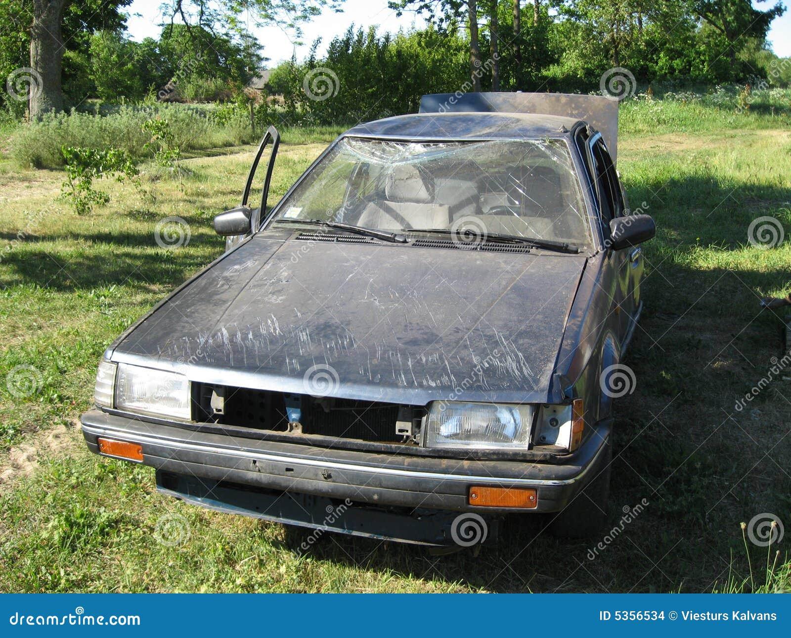 Carro danificado