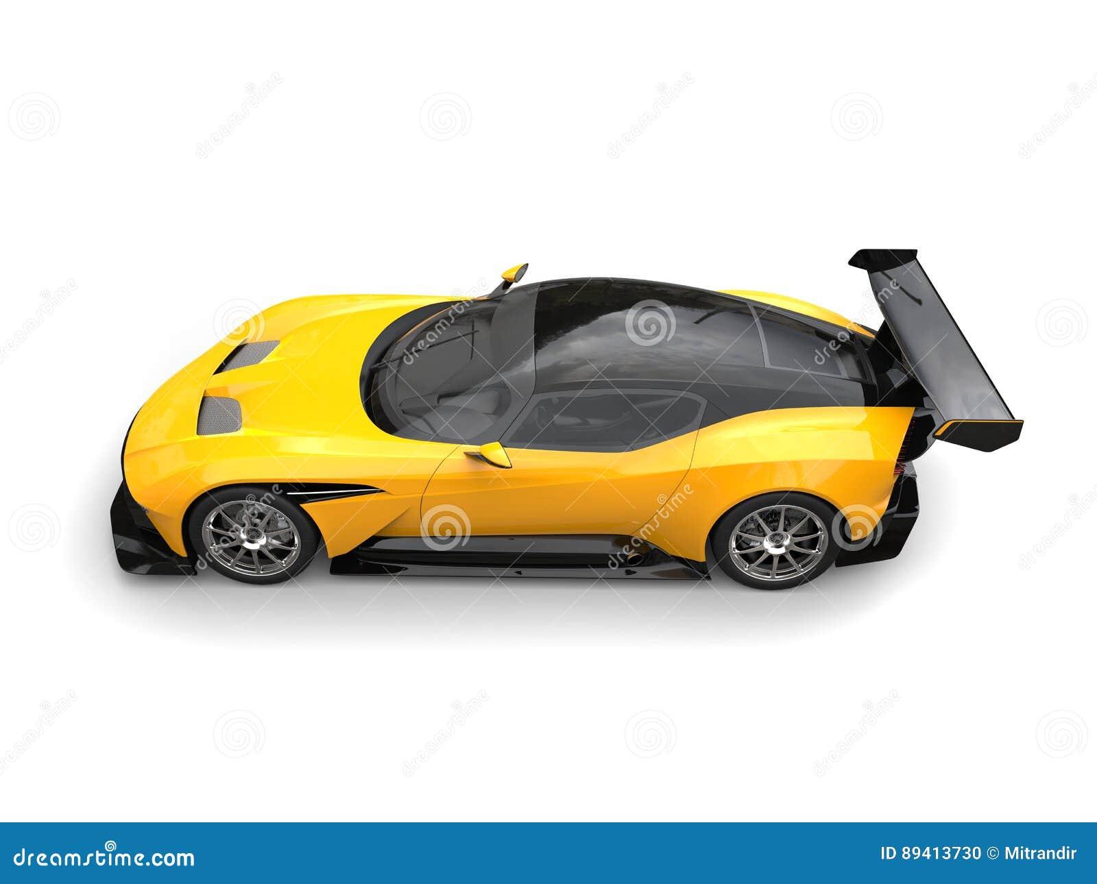 Carro de corridas moderno preto e amarelo dos esportes - cubra abaixo da vista lateral