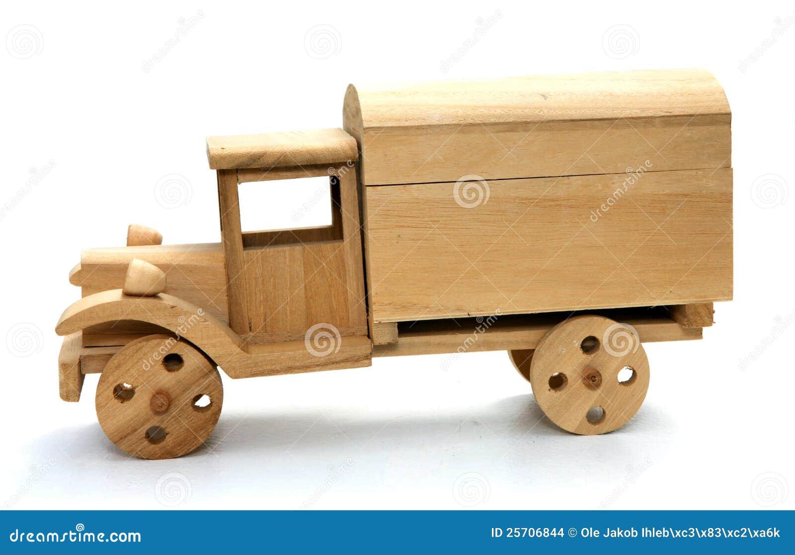 Carro de madera del juguete foto de archivo imagen de for Carritos de cocina de madera