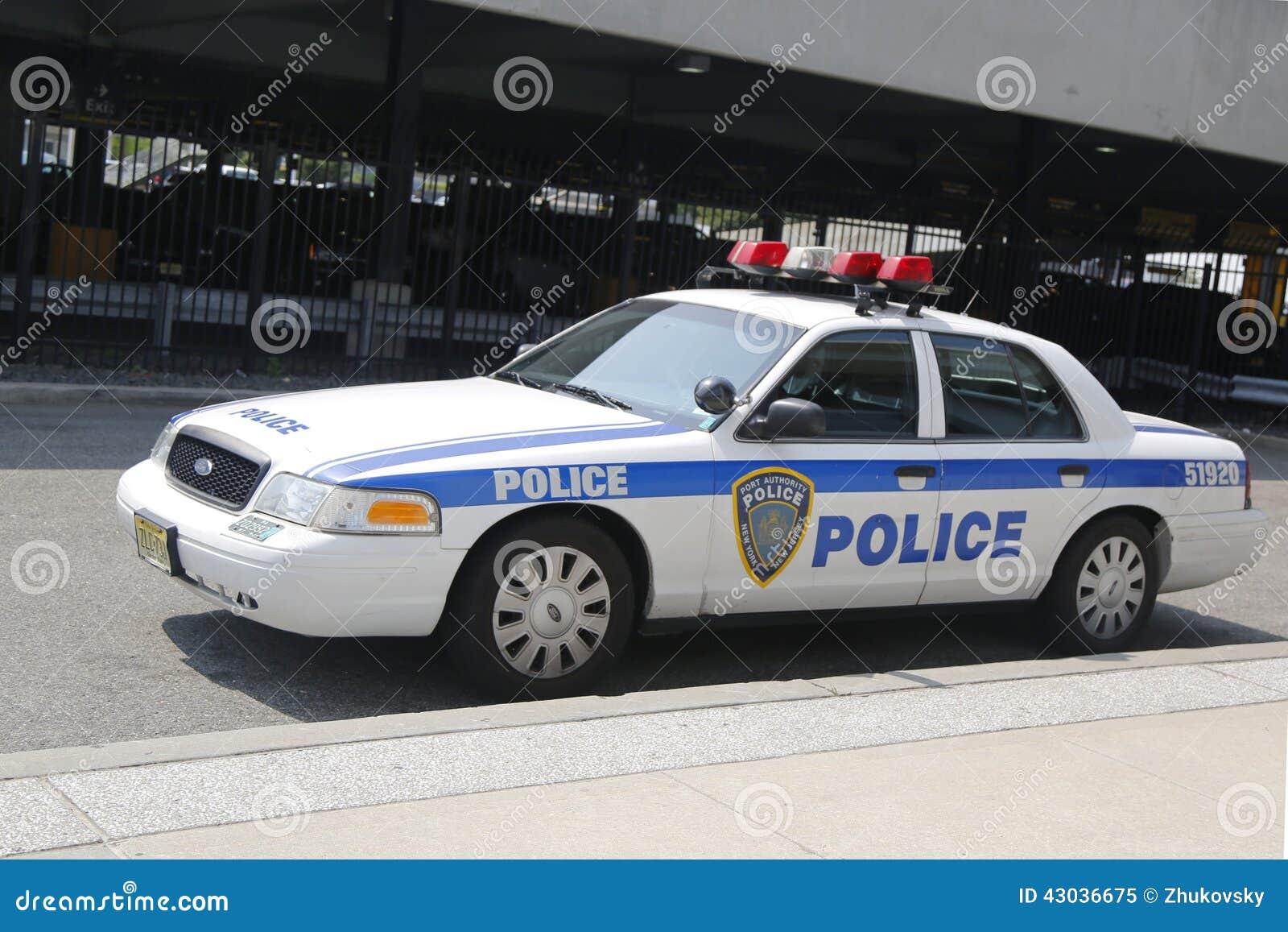 Carro de New York-new Jersey da autoridade portuária que fornece a segurança no aeroporto internacional de JFK