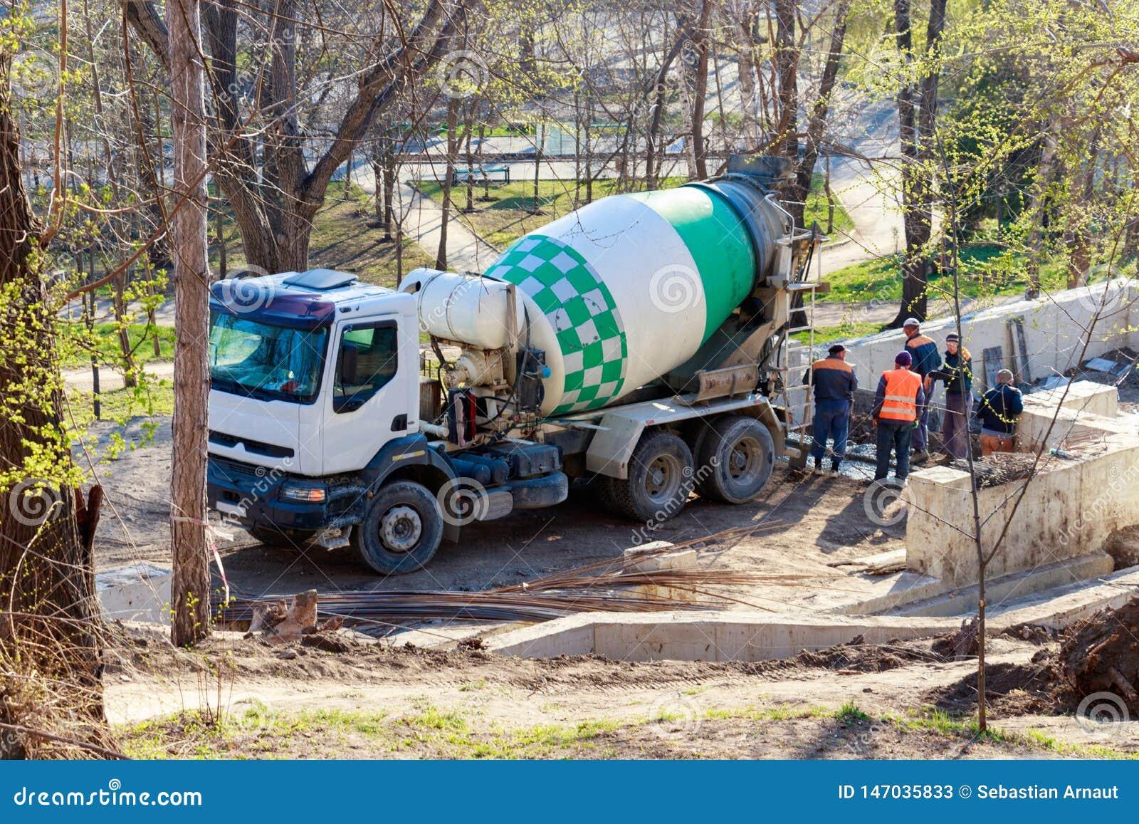 Carro do misturador concreto