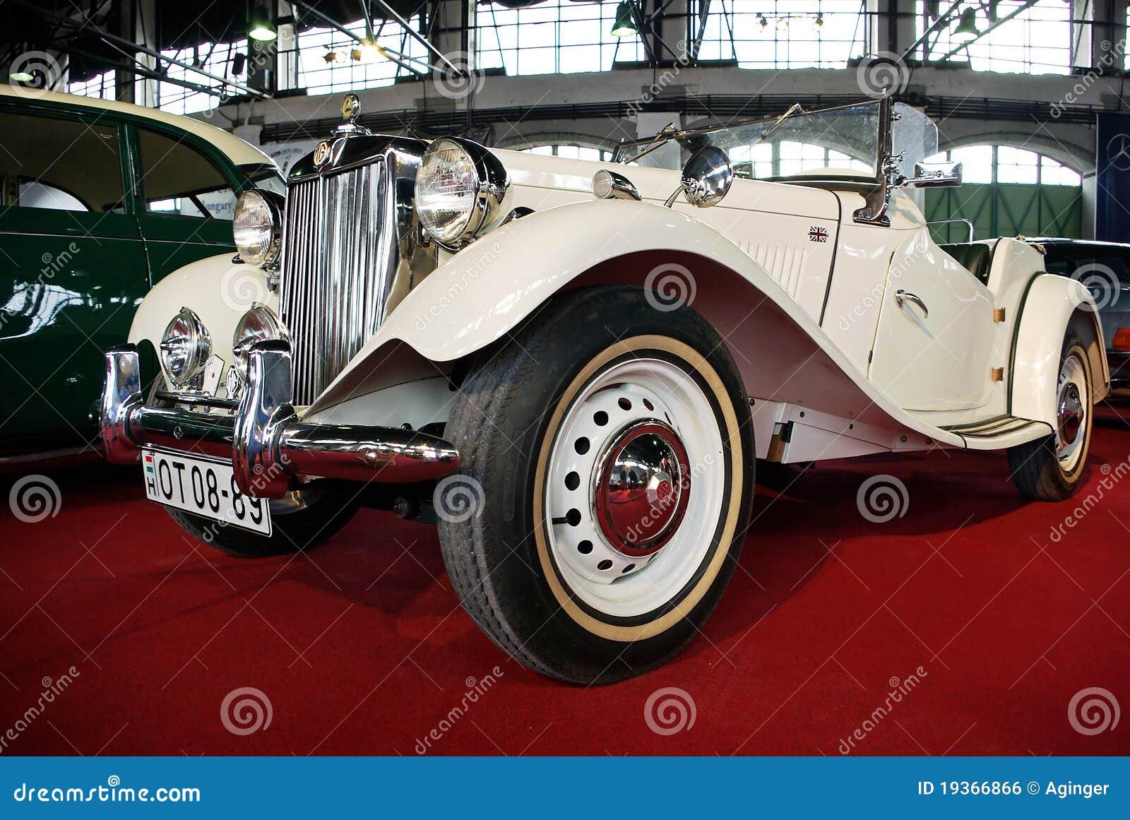 Carro do vintage do magnésio