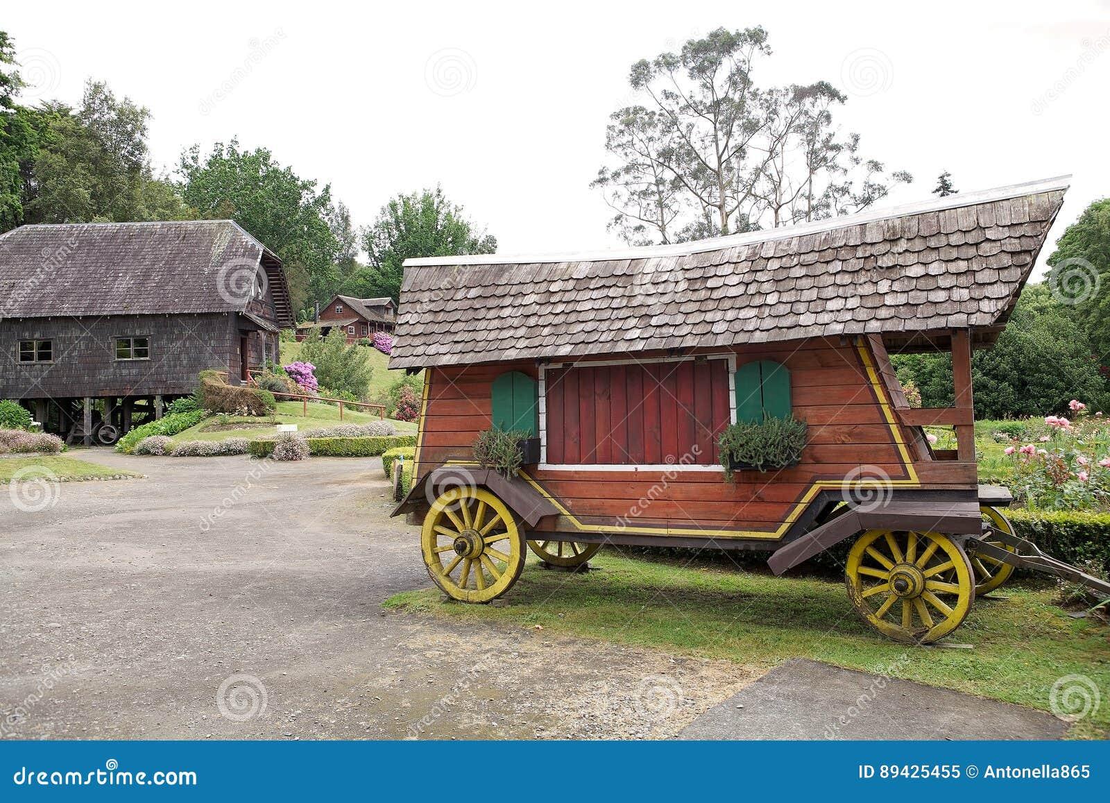 Carro en el museo alemán en Frutillar, Chile