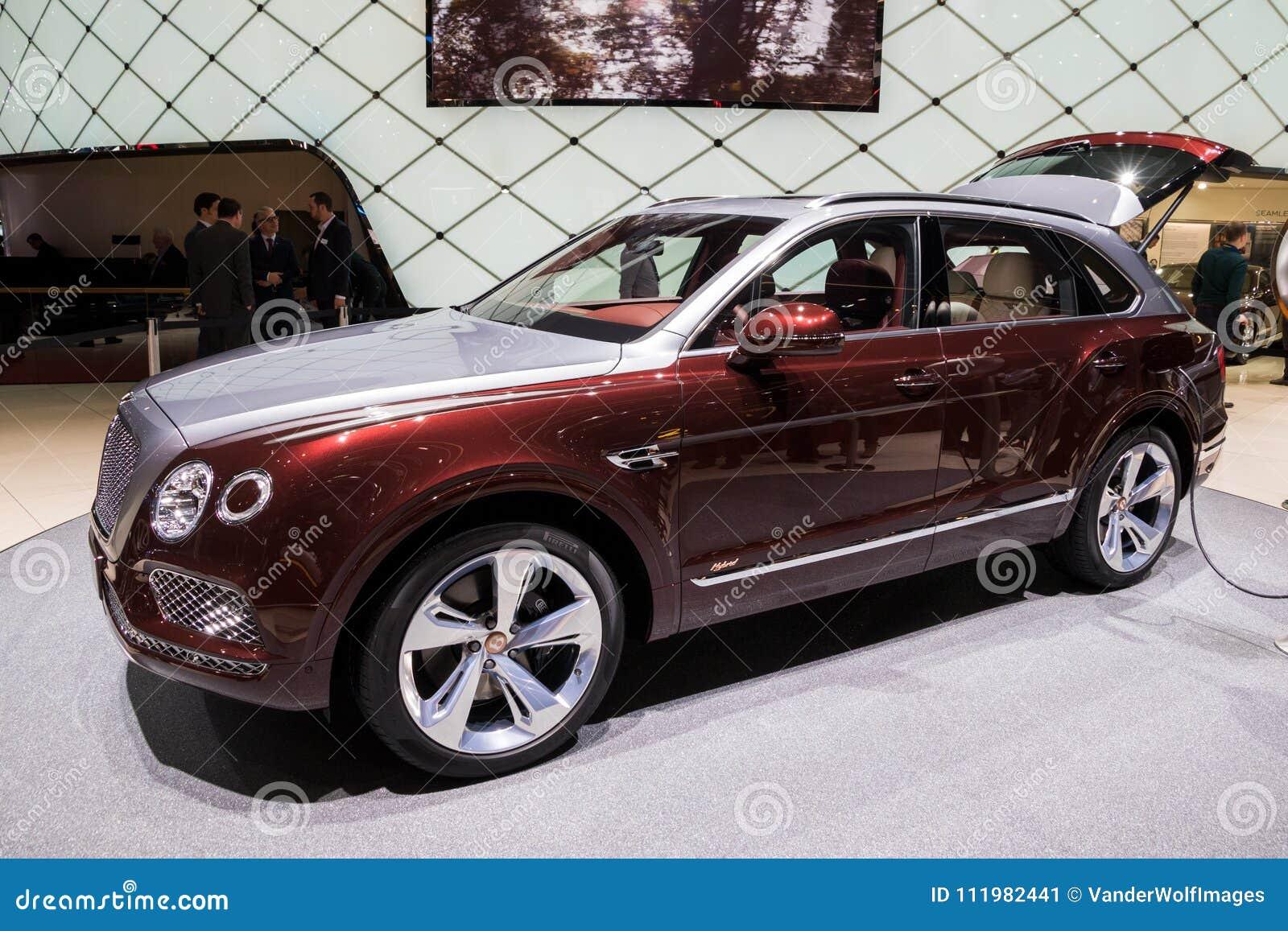 Carro Hibrido Do Luxo De Bentley Bentayga Suv Foto Editorial Imagem De Carro Luxo 111982441