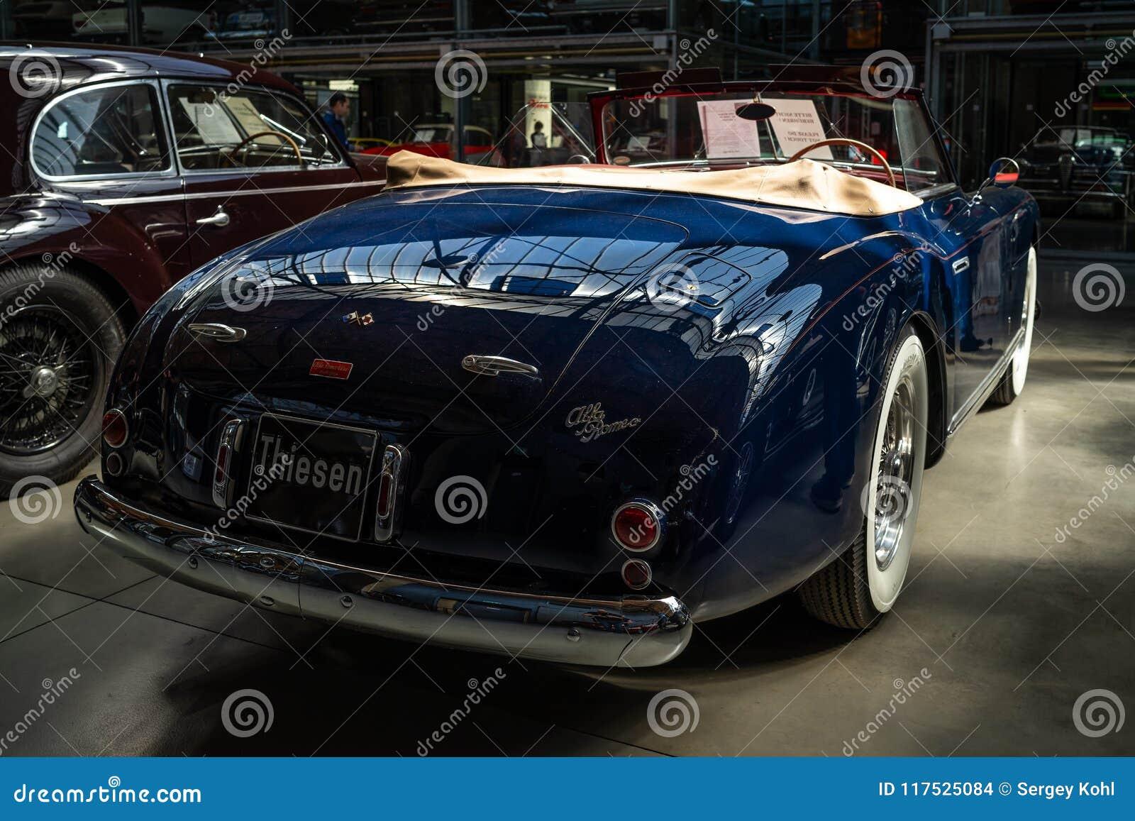 Carro luxuoso Alfa Romeo 6C 2500 SS Cabriolet, 1949