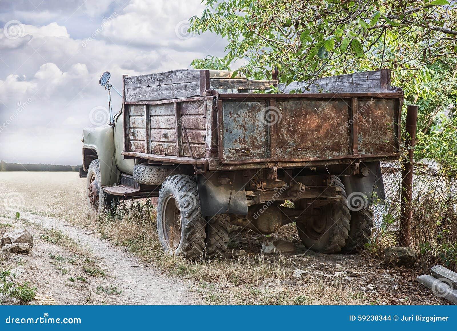 Download Carro oxidado viejo foto de archivo. Imagen de travieso - 59238344