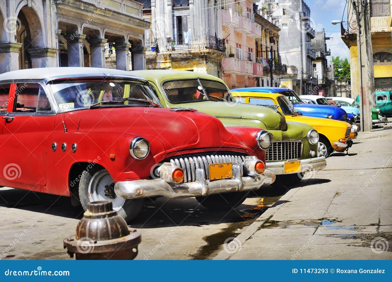 Carros coloridos de Havana