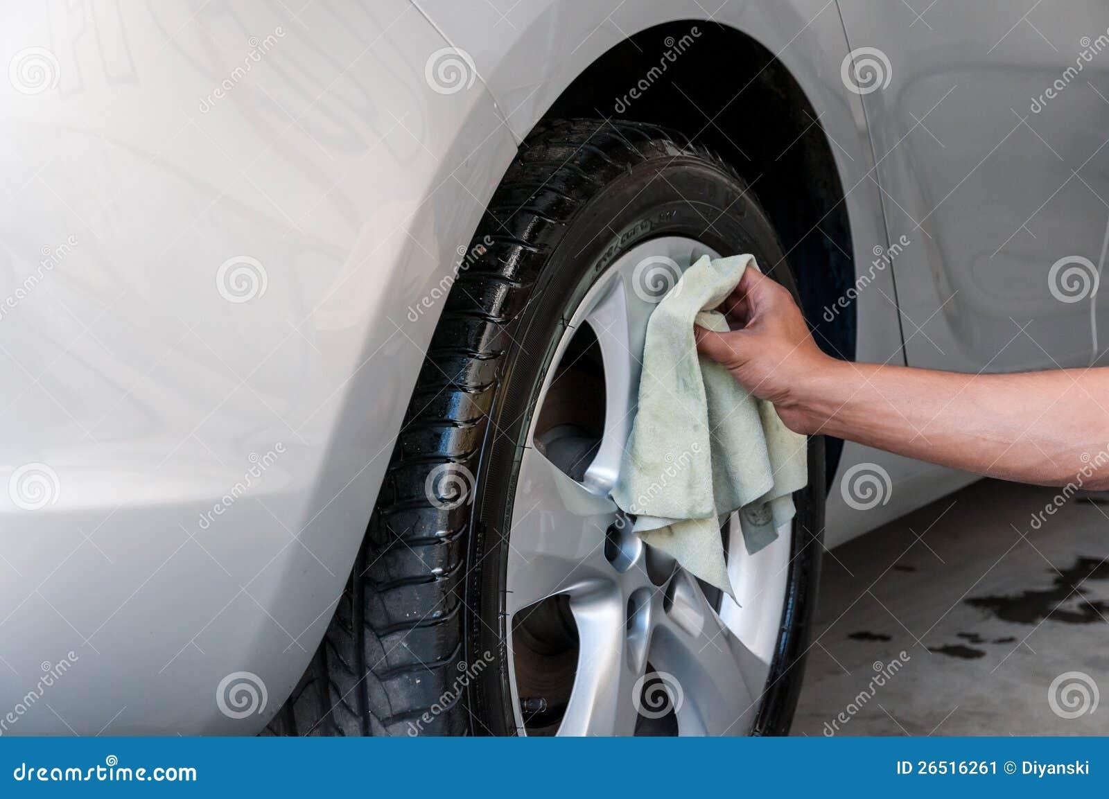 Carros em um carwash