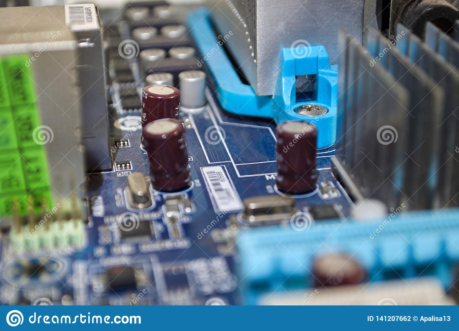 Cartão-matriz azul macro do PC em detalhe