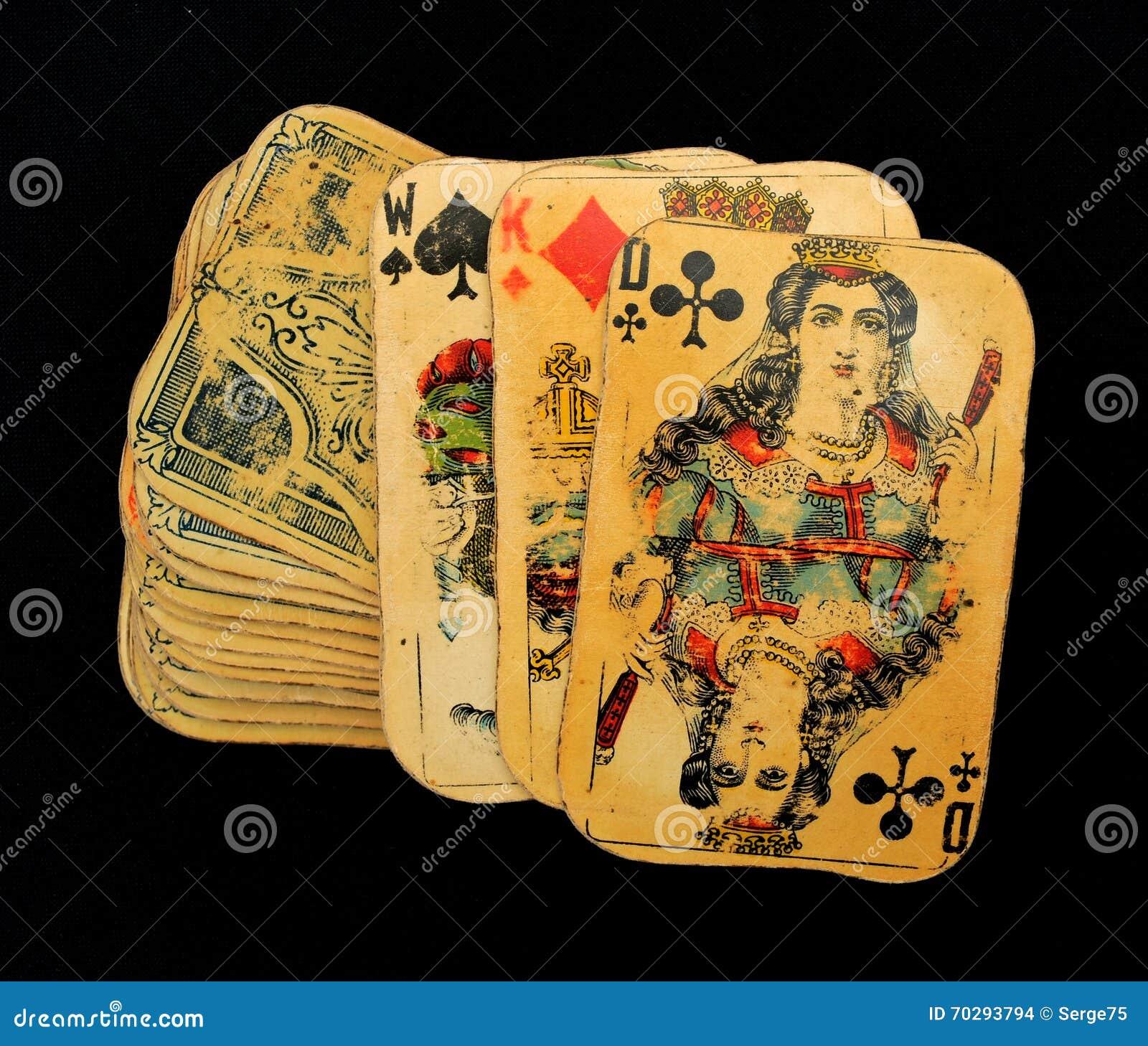 Cartões de jogo velhos