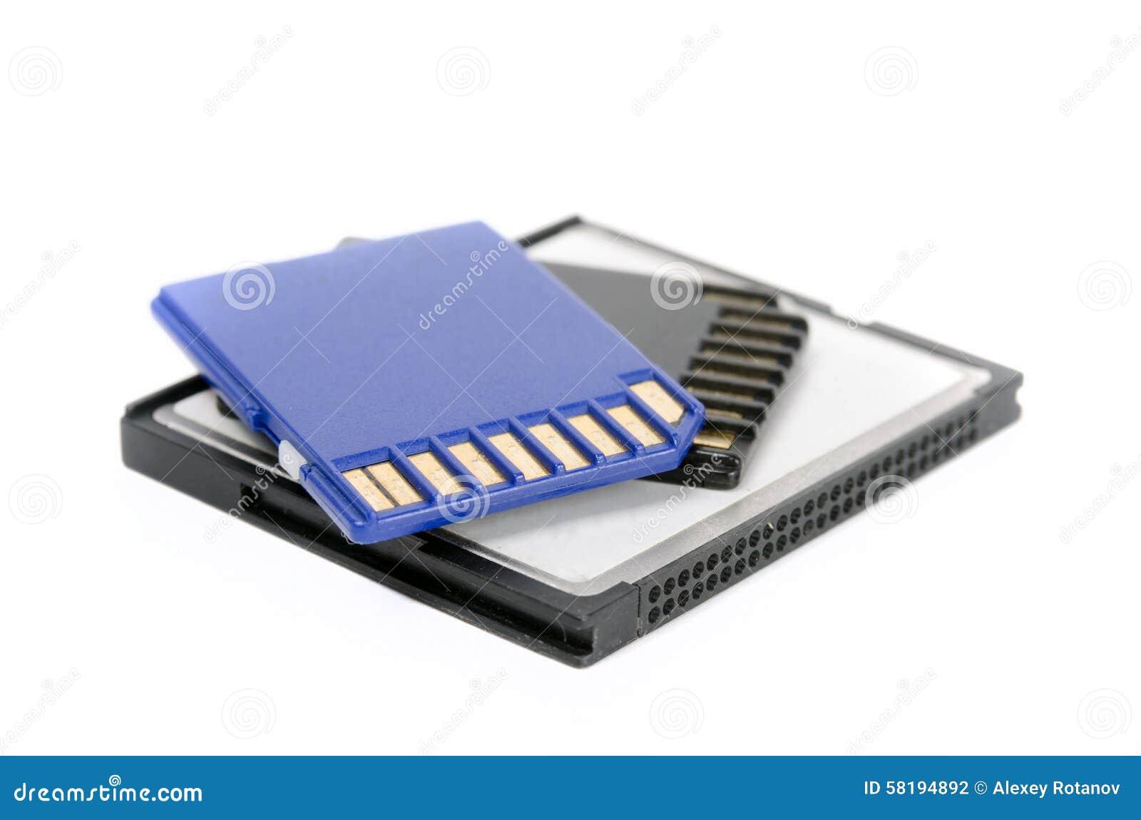 Cartões dos meios do SD isolados no branco