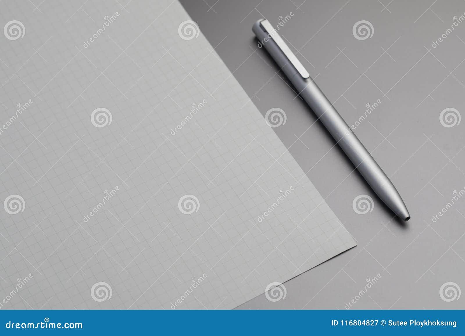 Carta della ricarica e della penna