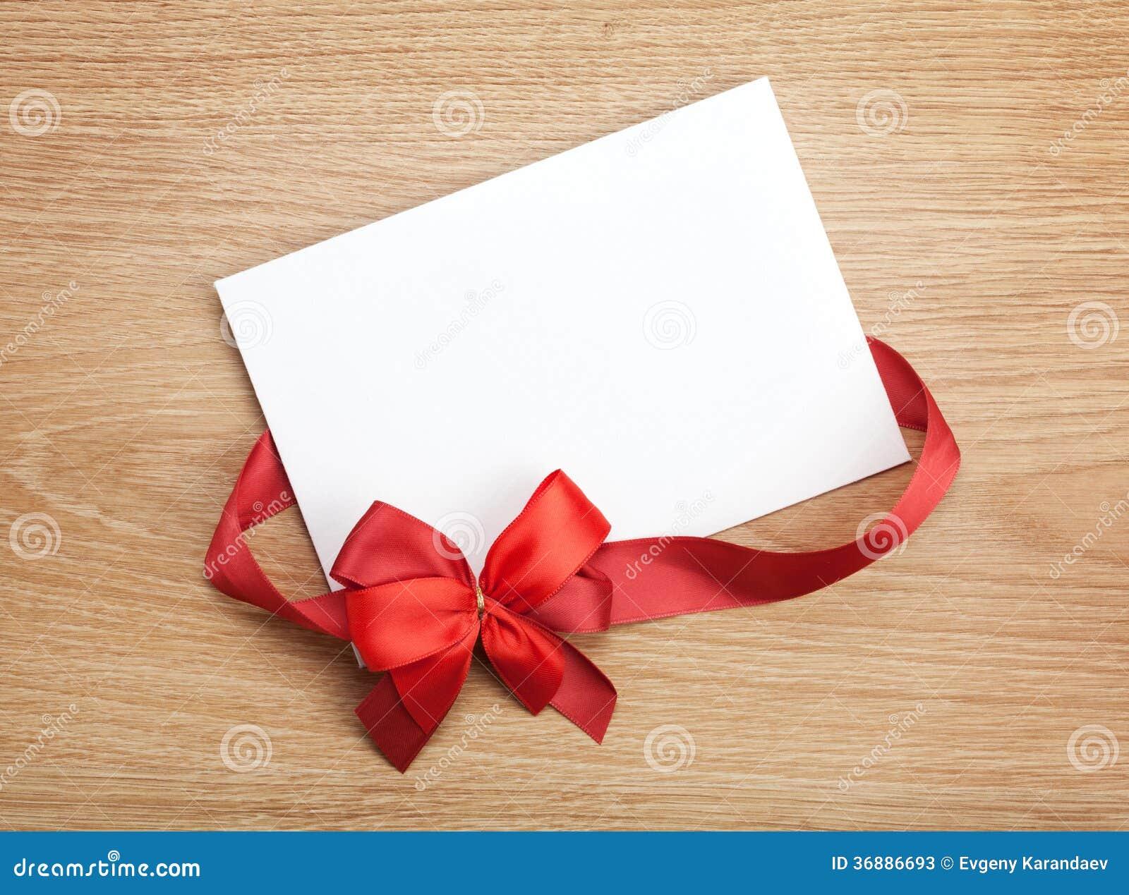 Download Carta Di Regalo In Bianco Di San Valentino E Nastro Rosso Con L'arco Immagine Stock - Immagine di scheda, blank: 36886693