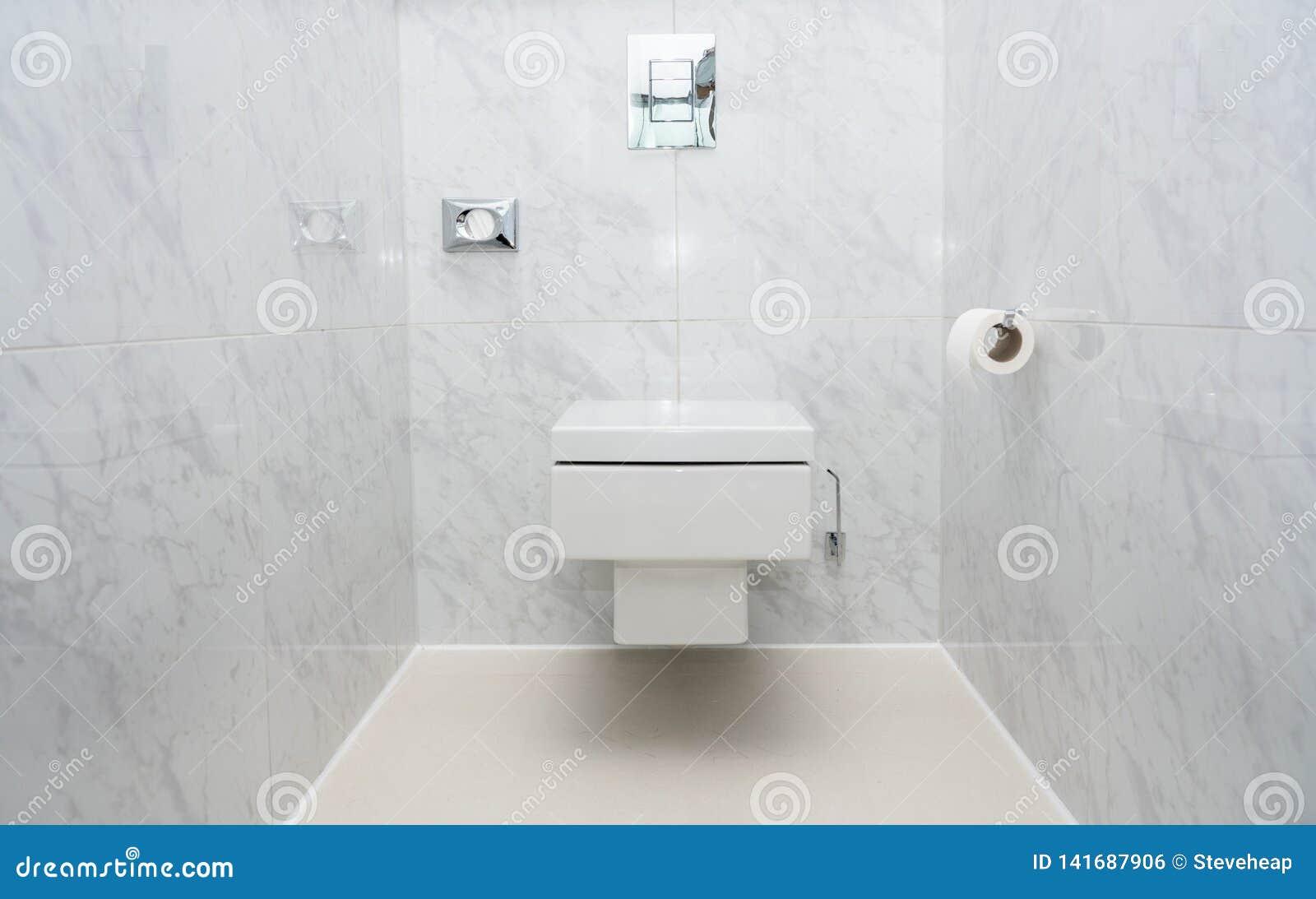 Carte De Travail Ou Cuvette Des Toilettes Carrelée Moderne ...