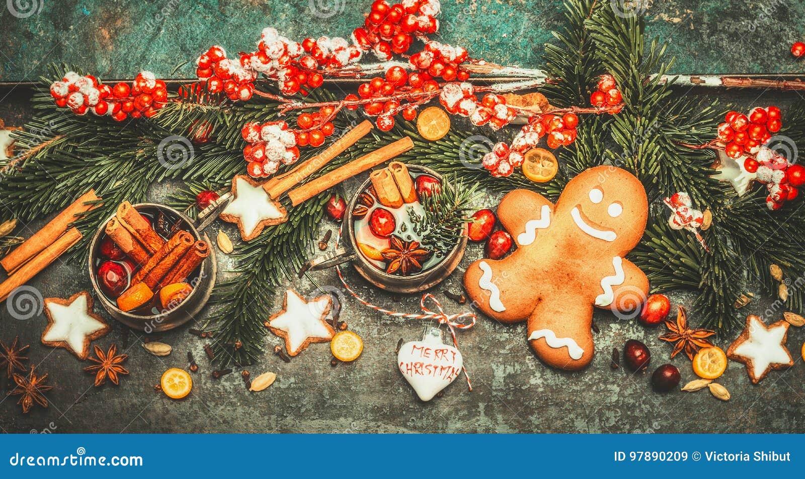 Carte De Voeux De Noël Avec L'homme De Gingembre, Le Vin Chaud Et