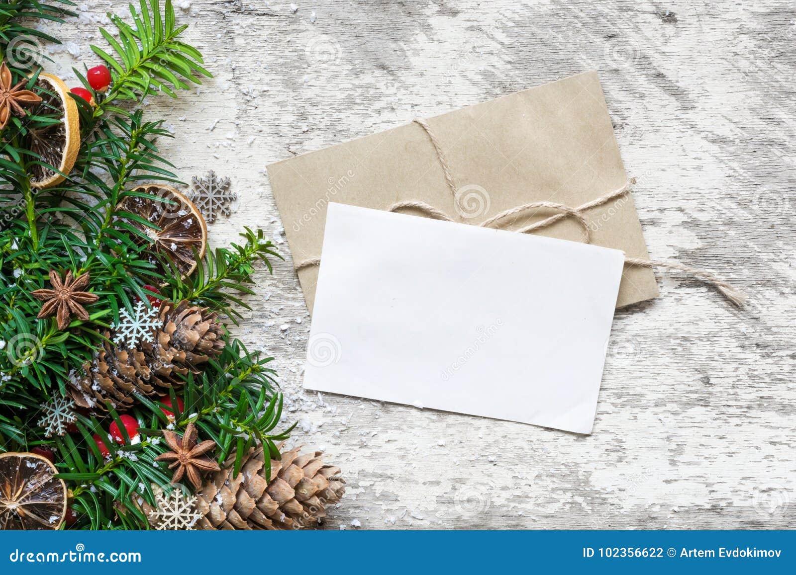 Branche D Arbre Sapin De Noel carte de voeux et enveloppe vides de noël blanc avec des