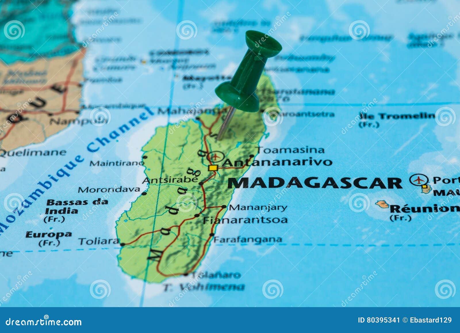 Carte Verte Madagascar.Carte Du Madagascar Avec Une Punaise Verte Coincee Image