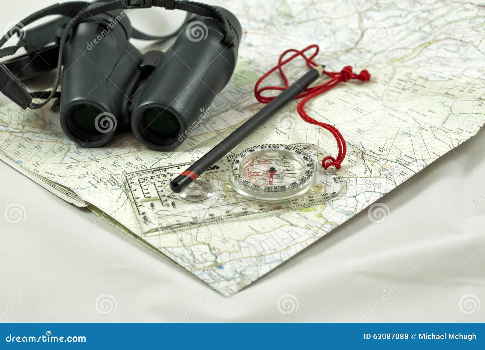 Download Carte et compas photo stock. Image du jumelles, courroie - 63087088