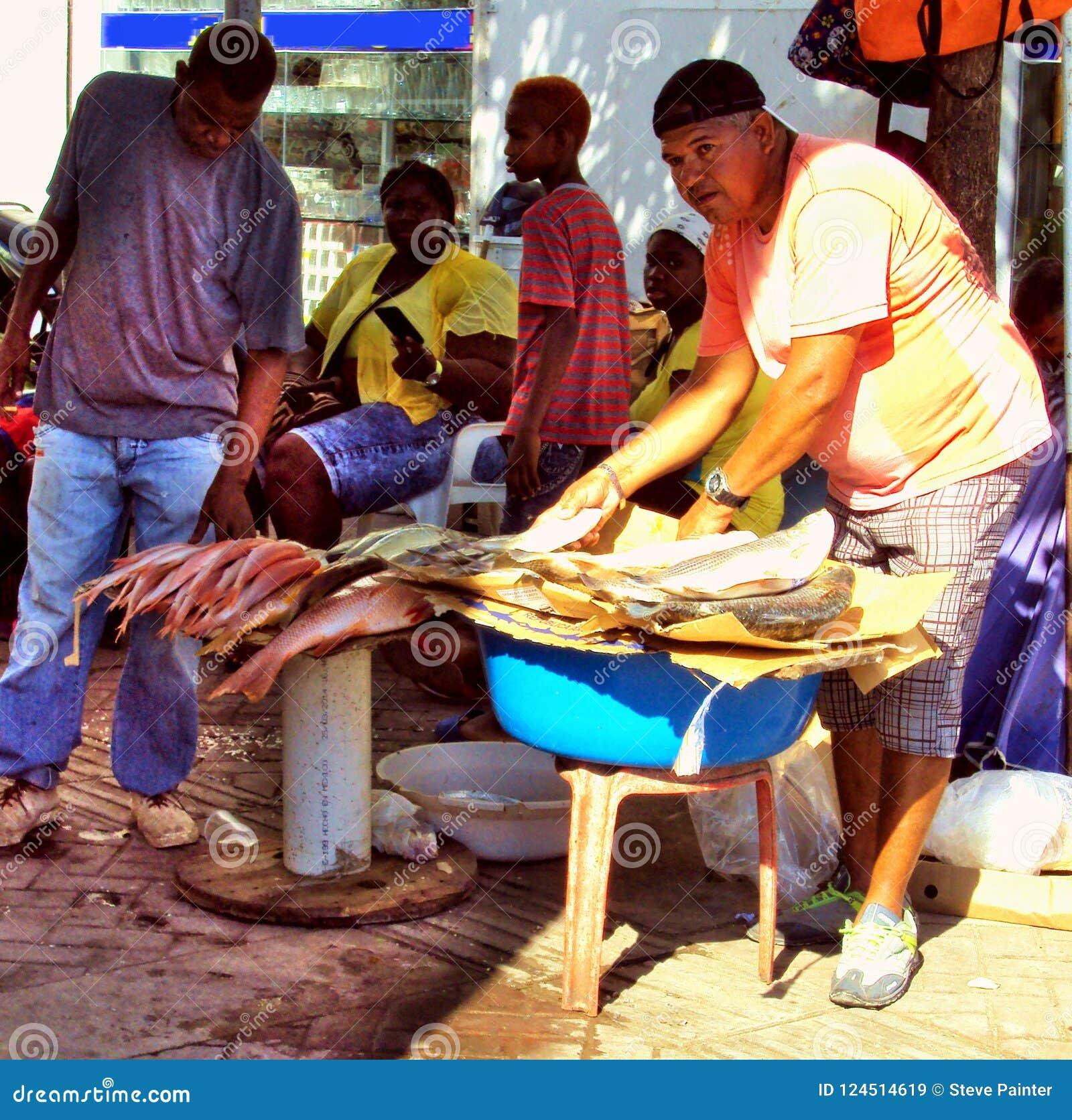 Carthagène, Colombie pêcheur local le 19 novembre 2010/A vend h
