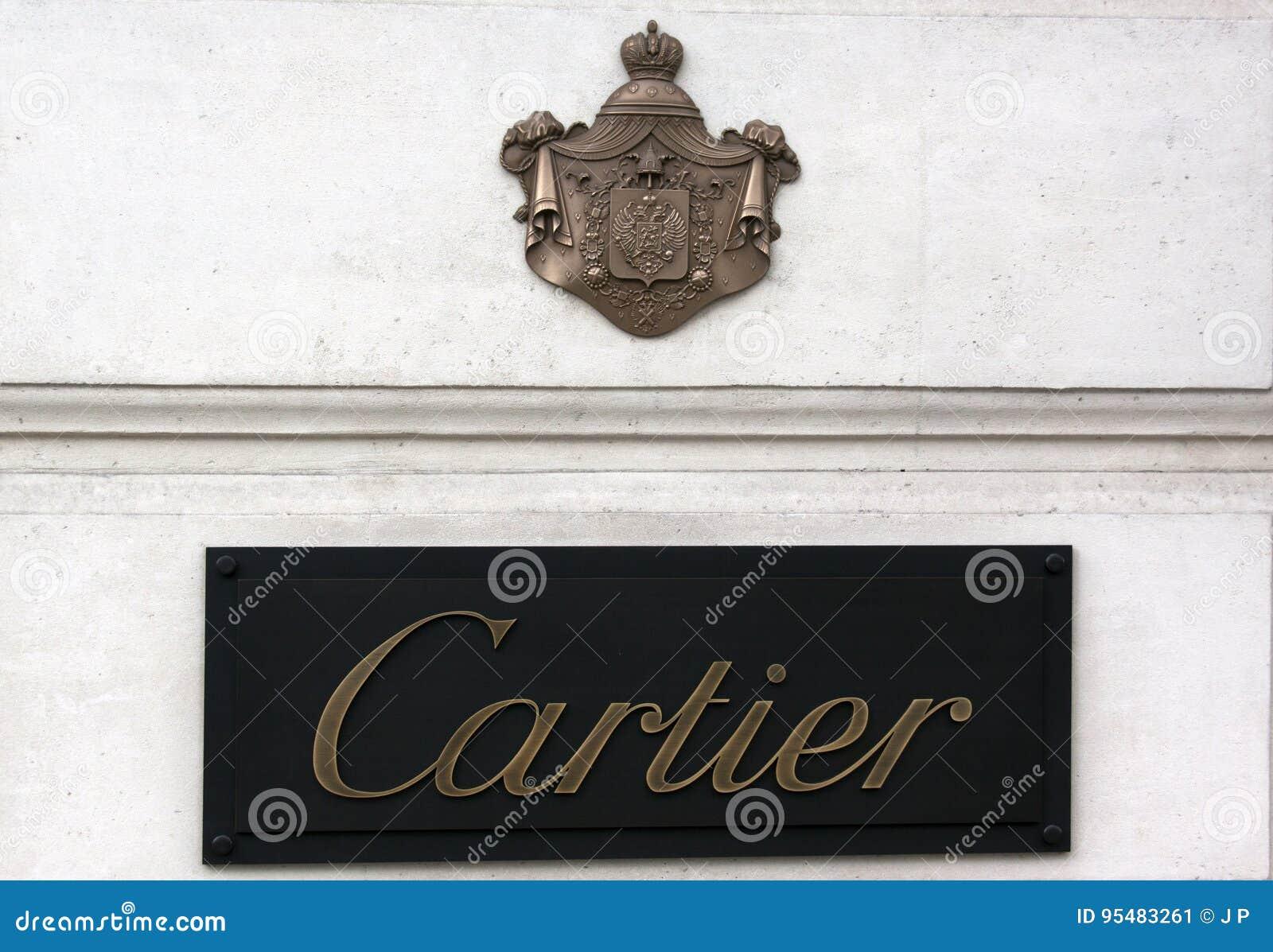 Cartier podpisuje wewnątrz Paris