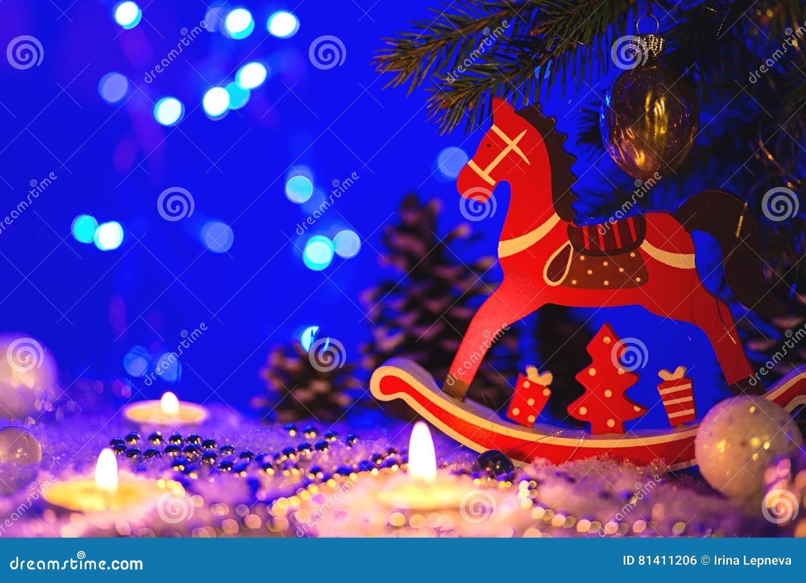 Immagini Di Natale Con Cavalli.Cartolina D Auguri Di Natale Con La Figura Del Cavallo Rosso